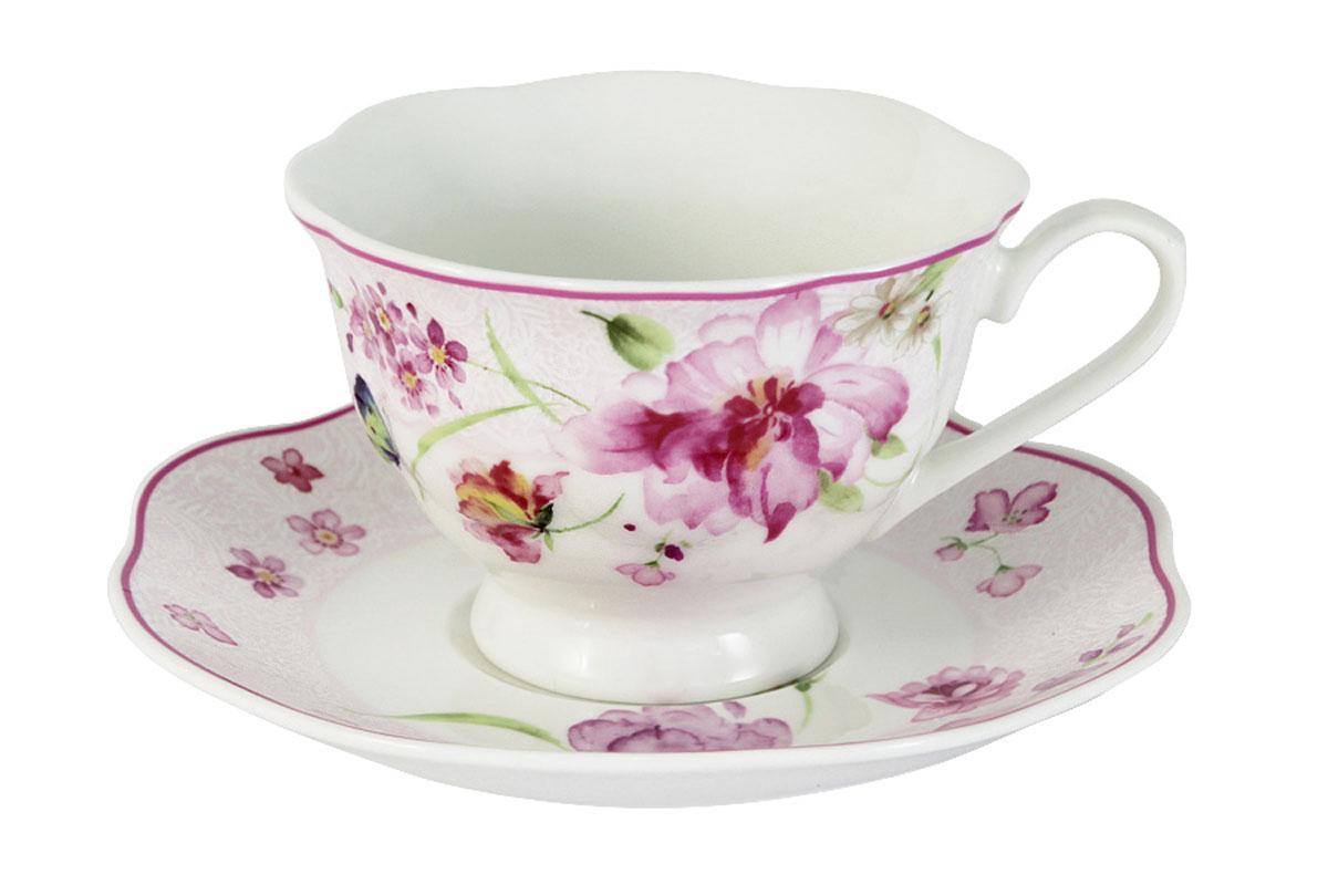 Чайная пара Primavera Розовые цветыPW-15-412A-ALЧайная пара Primavera Розовые цветы состоит из чашки и блюдца, изготовленных из фарфора с добавлением костной золы (7-15%), благодаря которой фарфор получается прозрачным и прочным. Изделия легкие, белоснежные, прочные. Нанесение сверкающей глазури, не содержащей свинца, придает изделиям превосходный блеск и особую прочность. Изделия декорированы изящным цветочным узором. Такая чайная пара оригинально дополнит сервировку стола к чаепитию и станет практичным приобретением для кухни. Посуда подходит для ежедневного использования. Благодаря отсутствию серебряной и золотой отделки посуду можно мыть в посудомоечной машине, а также использовать в микроволновой печи.