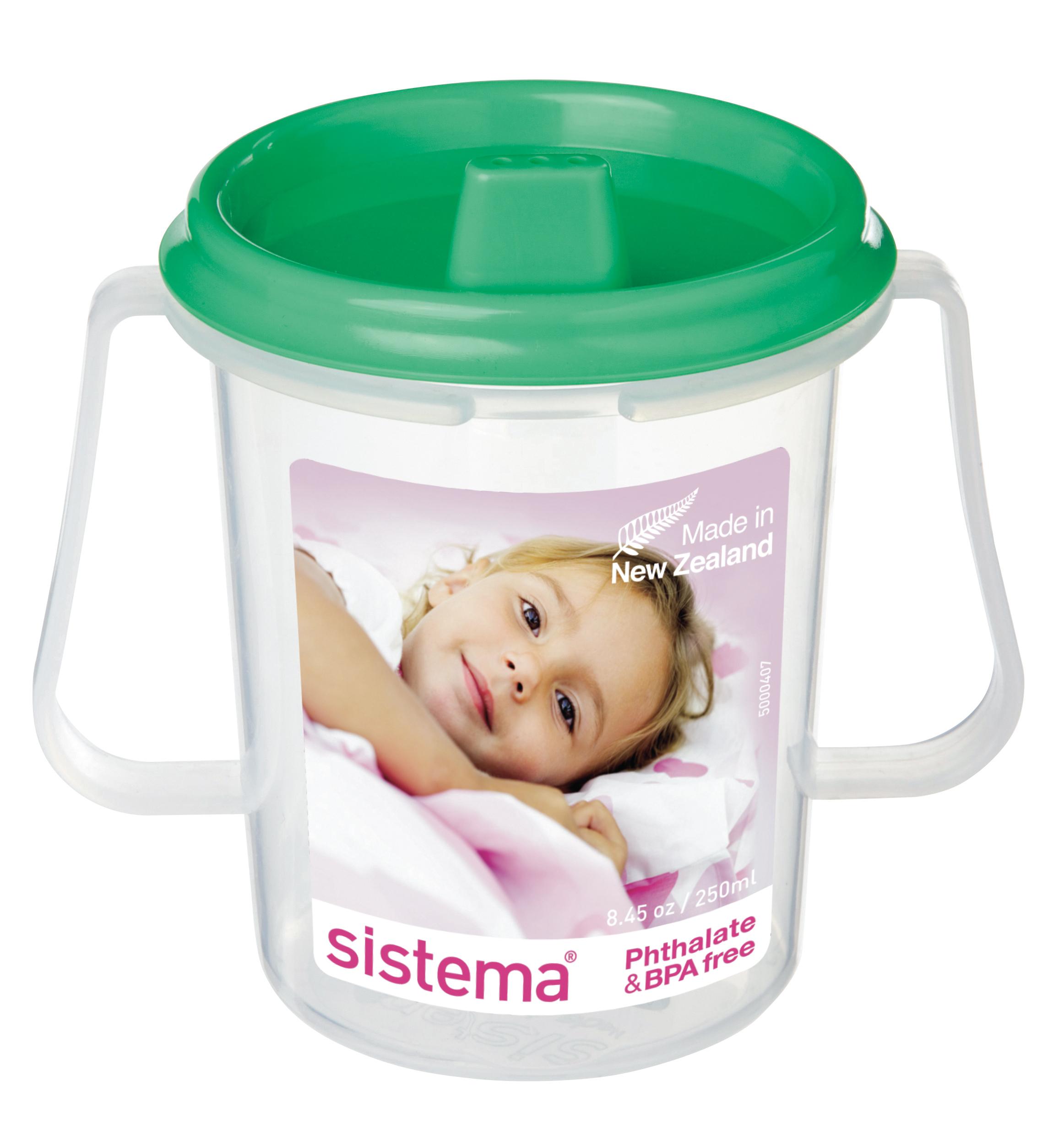 Чашка детская Sistema, с носиком, цвет: зеленый, 250 мл67Детская чашка-непроливайка с носиком Dinkee Trainer оснащена клапаном, который предотвращает проливание, удобна для детских ручек. Поилка с крышкой-непроливайкой в дополнение к эргономичной форме и яркой расцветке делают данную чашку незаменимой в дороге, на прогулке, дома или на даче. Благодаря простоте и комфорту в использовании, качественным материалам и стильному дизайну, чашка с носиком так популярна. Можно мыть в посудомоечной машине.