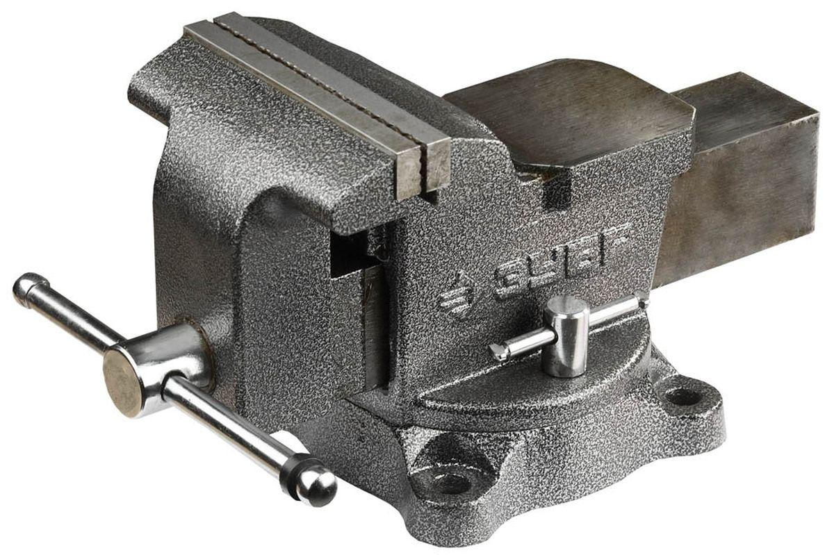 Тиски Зубр Мастер, с поворотным механизмом, 150 мм, 16 кг3258Тиски Зубр Мастер предназначены для закрепления деталей при выполнении различных слесарных работ. Изготовлены в соответствии с требованиями ГОСТ 26358. Окрашенный корпус и подвижная планка изготовлены из высококачественного чугуна марки СЧ-25. Сменные губки выполнены из высококачественной инструментальной стали, закалены и отшлифованы. На рабочую поверхность губок нанесено рифление для надежного и безопасного крепления деталей. Поворотное основание позволяет поворачивать корпус тисков в горизонтальной плоскости на угол от 0° до 360°. Регулировочные винты дают возможность фиксировать корпус в удобном для работы положении. Увеличенная наковальня отлично подойдет для небольших слесарных работ. Масса: 16 кг. Размер: 15 см.
