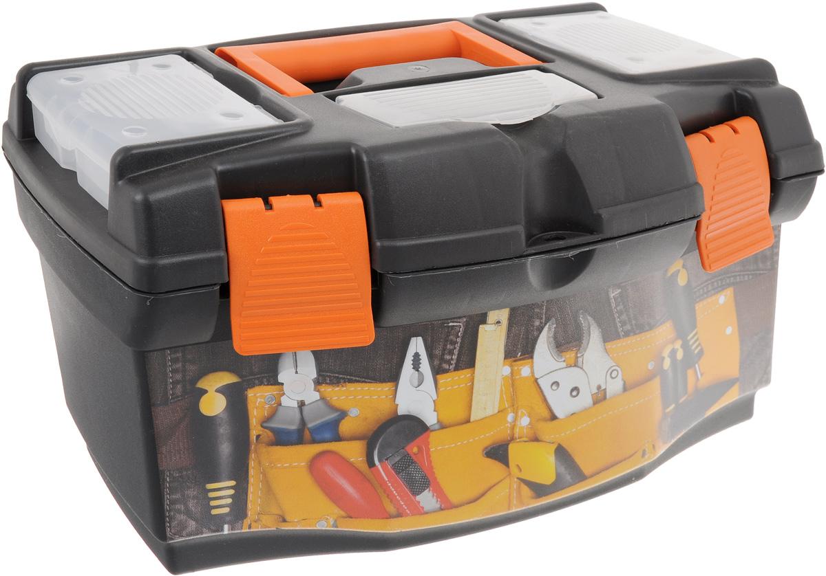 Ящик для инструментов Blocker Master Jeans 16, со съемным органайзером, 40,5 х 23 х 21,5 см98293777Ящик Blocker Master Master Jeans 16 изготовлен из прочного пластика и предназначен для хранения и переноски инструментов. Вместительный, внутри имеет большое главное отделение. В комплект входит съемный лоток, оснащенный линейкой.Крышка ящика оснащена двумя съемными органайзерами и отделением для хранения бит. Закрывается при помощи крепких защелок, которые не допускают случайного открывания. Для более комфортного переноса в руках, на крышке ящика предусмотрена удобная ручка.