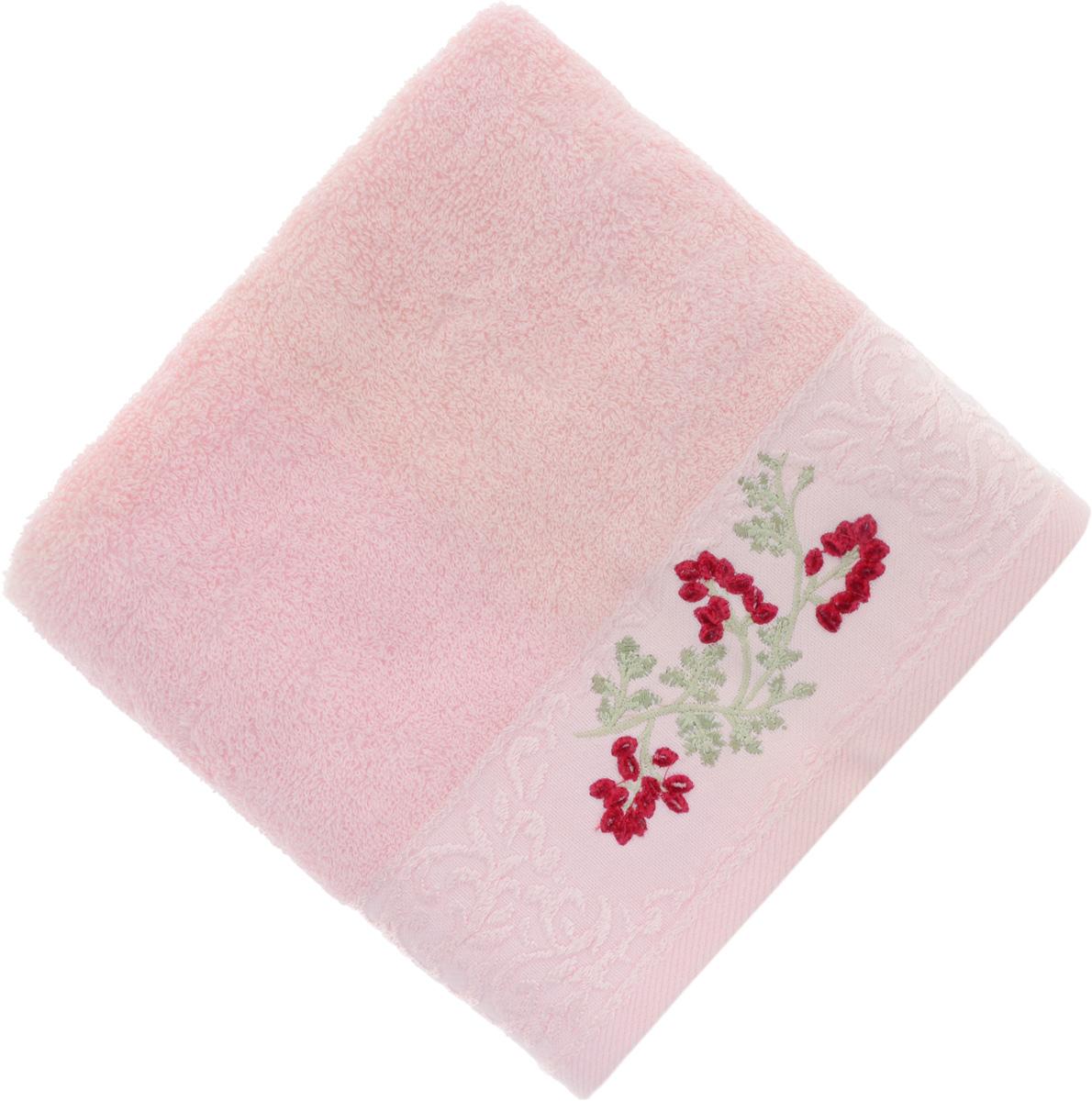 Полотенце Soavita Кизил, цвет: розовый, 50 х 90 см68/5/2Полотенце Soavita Кизил выполнено из 100% хлопка. Изделие отлично впитывает влагу, быстро сохнет, сохраняет яркость цвета и не теряет форму даже после многократных стирок. Полотенце очень практично и неприхотливо в уходе. Оно создаст прекрасное настроение и украсит интерьер в ванной комнате.
