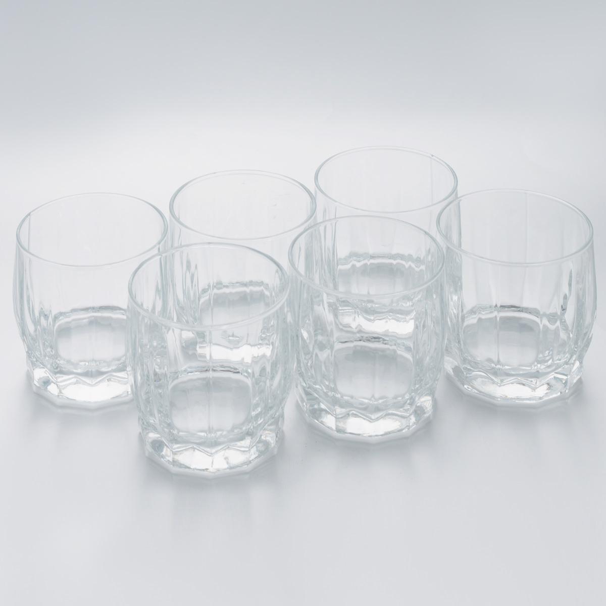 Набор стаканов Pasabahce Dance, 290 мл, 6 шт42865/Набор Pasabahce Dance состоит из шести стаканов, выполненных из закаленного натрий-кальций-силикатного стекла. Низкие граненые стаканы с широким горлышком предназначены для подачи воды, сока, компота и других напитков. Стаканы сочетают в себе элегантный дизайн и функциональность. Набор стаканов Pasabahce Dance идеально подойдет для сервировки стола и станет отличным подарком к любому празднику. Можно использовать в морозильной камере и микроволновой печи. Можно мыть в посудомоечной машине. Диаметр стакана (по верхнему краю): 7,5 см. Высота стакана: 8,5 см.