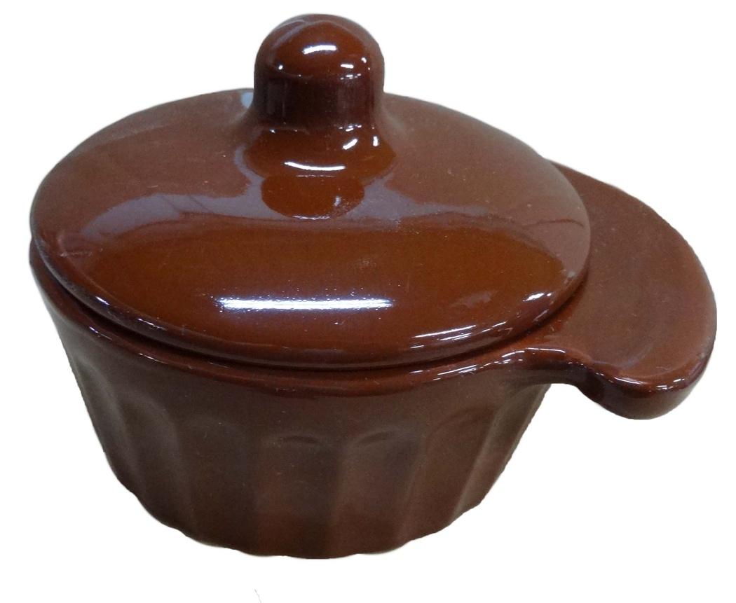 Кокотница Борисовская керамика Ностальгия, с крышкой, 0,2 лОБЧ14457903Граненая форма кокотницы Борисовская керамика Ностальгия никого не оставляет равнодушным. Она выполнена из высококачественной керамики и оснащена крышкой. В кокотнице можно удобно запекать кексы, делать жульены. Она отлично подойдет для сервировки стола и подачи блюд. Кокотницу можно использовать как порционно, так и для подачи приправ, острых соусов и другого. Подходит для использования в микроволновой печи и духовке. Ширина: 12 см. Высота: 8 см.