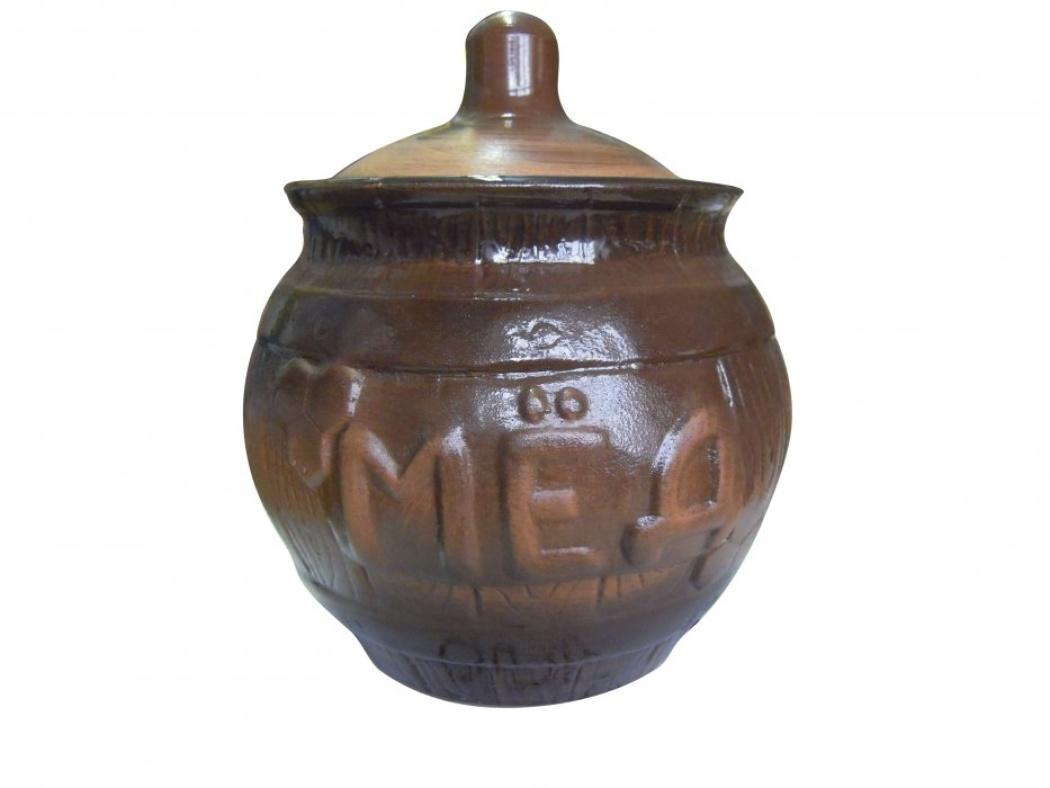 Горшочек для меда Борисовская керамика Cтандарт, 0,9 л. СТР00000391115610Удобный горшочек для меда Борисовская керамика Cтандарт, выполненный из высококачественной керамики, предназначен для хранения меда и имеет оригинальный эффект старины. Но универсальность керамики позволяет хранить в нем любые продукты и даже запекать. Идеально впишется в любом интерьере.Высота горшочка - 16 см.Диаметр горшочка - 14 см.
