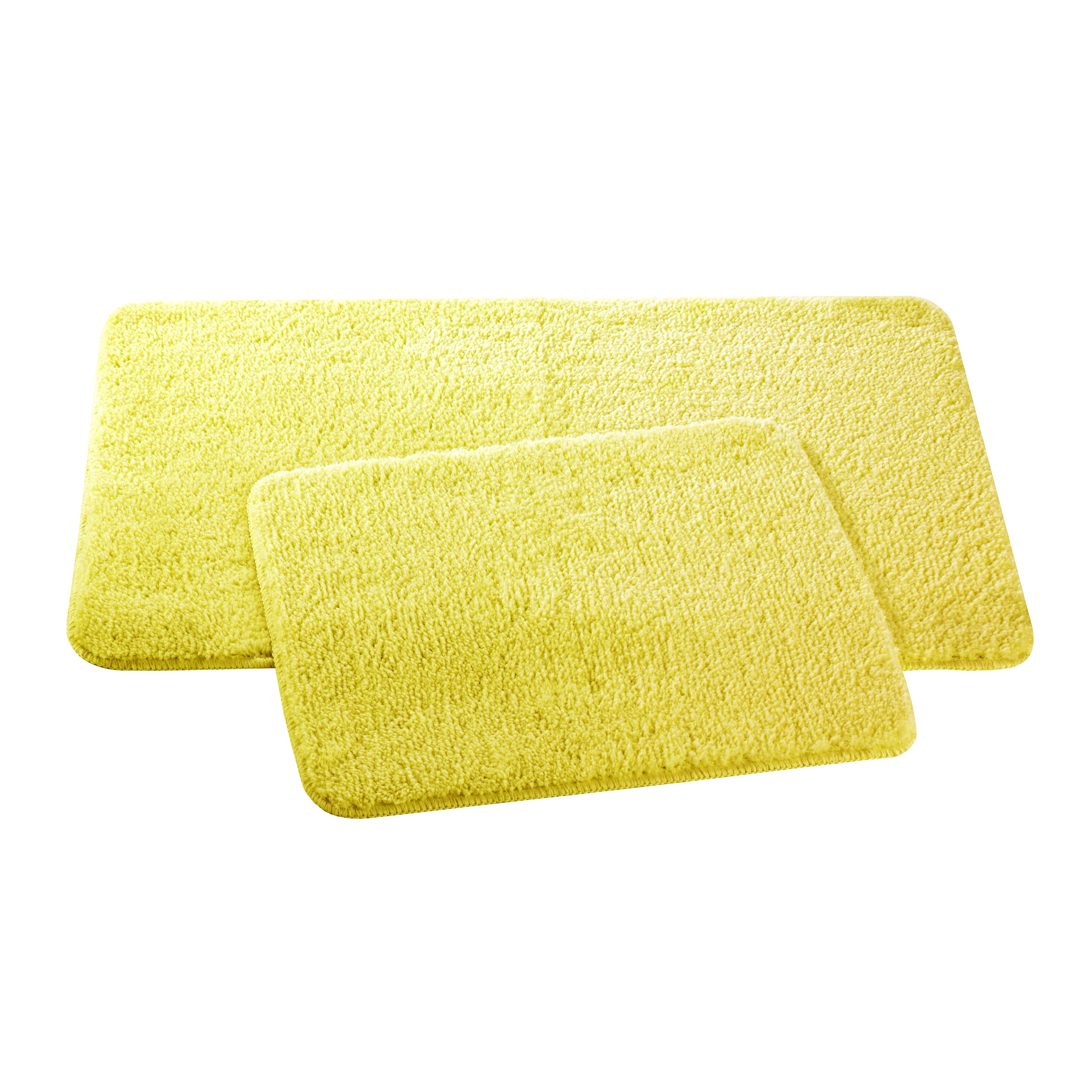 Набор ковриков для ванной и туалета Axentia, цвет: желтый, 2 шт116131Набор Axentia, выполненный из микрофибры (100% полиэстер), состоит из двух стеганых ковриков для ванной комнаты и туалета. Противоскользящее основание изготовлено из термопластичной резины и подходит для полов с подогревом. Коврики мягкие и приятные на ощупь, отлично впитывают влагу и быстро сохнут. Высокая износостойкость ковриков и стойкость цвета позволит вам наслаждаться покупкой долгие годы. Можно стирать в стиральной машине. Размер ковриков: 50 х 80 см; 50 х 40 см. Высота ворса 1,5 см.