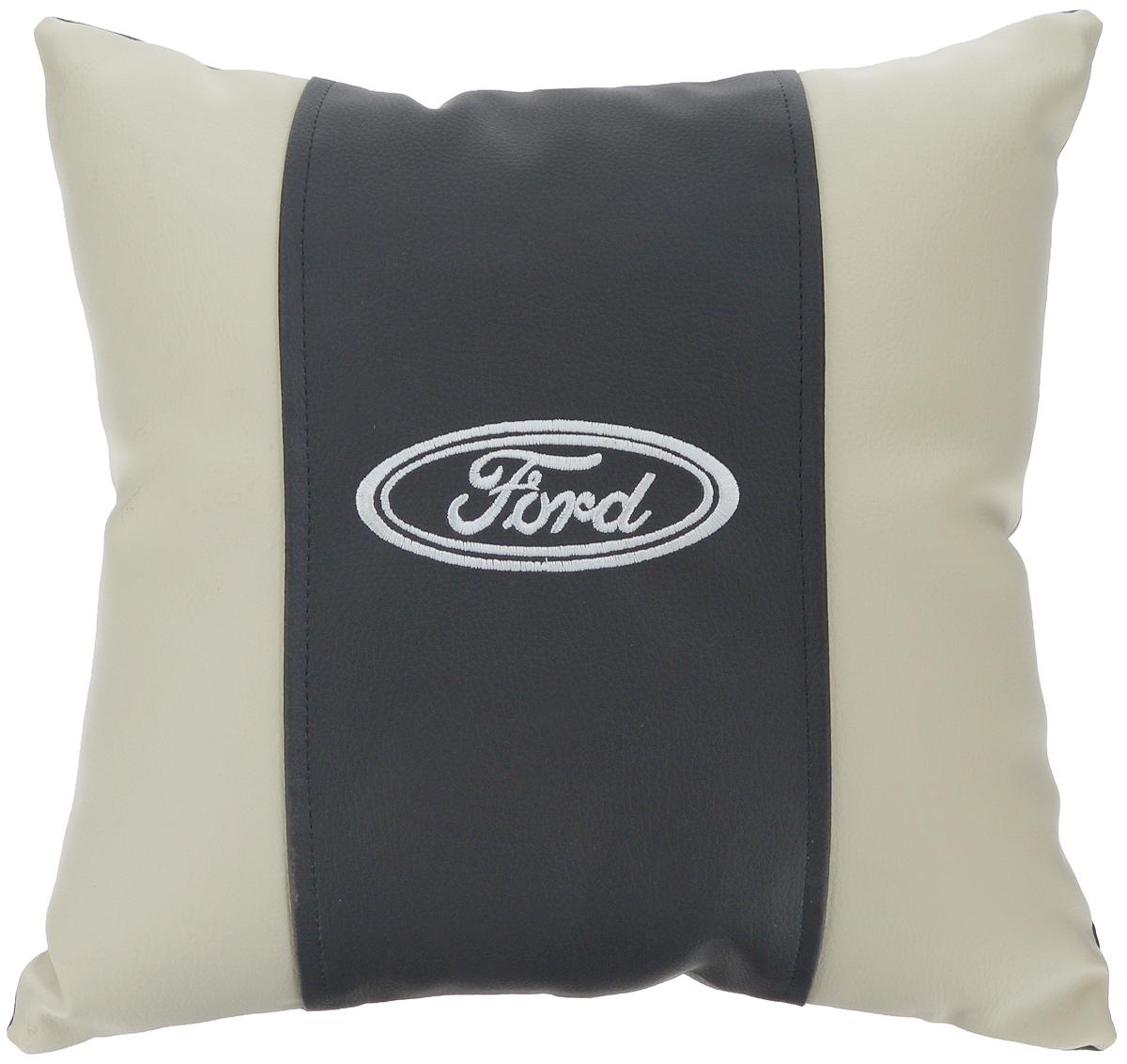 Подушка на сиденье Autoparts Ford, 30 х 30 смМ045Подушка на сиденье Autoparts Ford создана для тех, кто весь свой день вынужден проводить за рулем. Чехол выполнен из высококачественной дышащей экокожи. Наполнителем служит холлофайбер. На задней части подушки имеется змейка. Особенности подушки: - Хорошо проветривается. - Предупреждает потение. - Поддерживает комфортную температуру. - Обминается по форме тела. - Улучшает кровообращение. - Исключает затечные явления. - Предупреждает развитие заболеваний, связанных с сидячим образом жизни. Подушка также будет полезна и дома - при работе за компьютером, школьникам - при выполнении домашних работ, да и в любимом кресле перед телевизором.