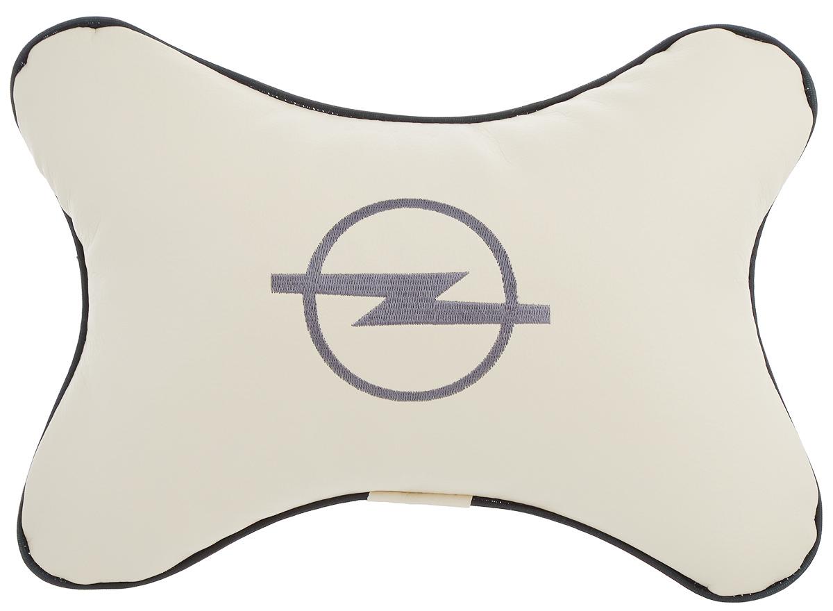 Подушка автомобильная Autoparts Opel, на подголовник, цвет: бежевый, серый, 30 х 20 см106-026Автомобильная подушка Autoparts Opel, выполненная из эко-кожи с мягким наполнителем из холлофайбера, снимает усталость с шейных мышц, обеспечивает правильное положение головы и амортизирует нагрузки на шейные позвонки при резком маневрировании. Ее можно зафиксировать на подголовнике с помощью регулируемого по длине ремня. На изделии имеется молния, с помощью которой вы с легкостью сможете поменять наполнитель. Если ваши пассажиры захотят вздремнуть, то подушка под голову окажется очень кстати и поможет расслабиться.