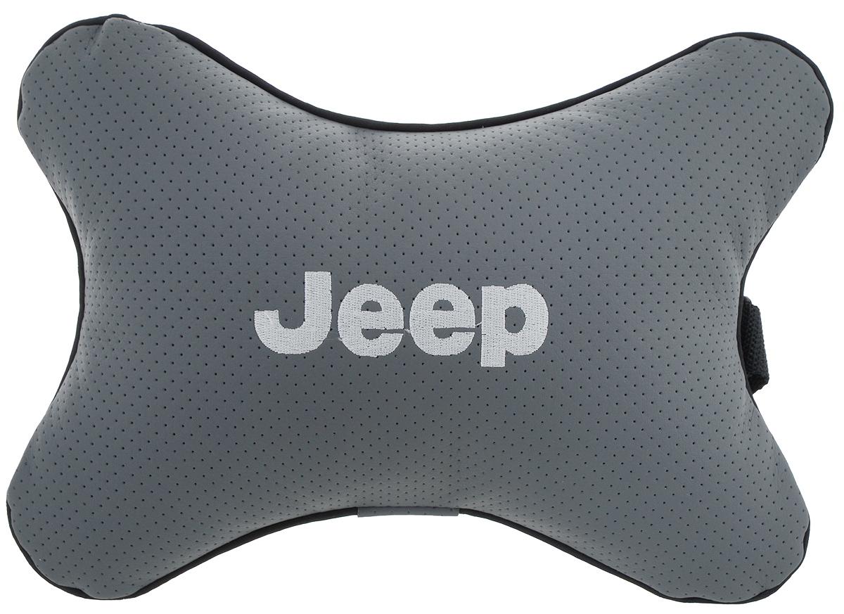 Подушка автомобильная Autoparts Jeep, на подголовник, цвет: серый, белый, 30 х 20 смМ34Автомобильная подушка Autoparts Jeep, выполненная из эко-кожи с мягким наполнителем из холлофайбера, снимает усталость с шейных мышц, обеспечивает правильное положение головы и амортизирует нагрузки на шейные позвонки при резком маневрировании. Ее можно зафиксировать на подголовнике с помощью регулируемого по длине ремня. На изделии имеется молния, с помощью которой вы с легкостью сможете поменять наполнитель. Если ваши пассажиры захотят вздремнуть, то подушка под голову окажется очень кстати и поможет расслабиться.
