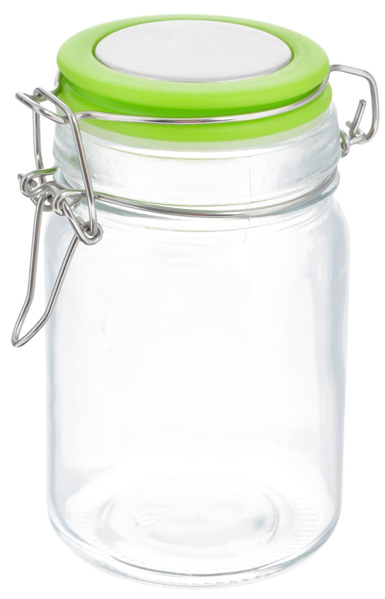 Банка для хранения Zeller, цвет: прозрачный, салатовый, 360 мл19960_прозрачный, салатовыйБанка Zeller выполнена из прочного стекла и оснащена пластиковой крышкой. Металлическая клипса герметично закрывает крышку, что позволяет продуктам дольше оставаться свежими и ароматными. Изделие прекрасно подходит для хранения разнообразных специй. Такая банка станет достойным дополнением к вашему кухонному инвентарю. Диаметр по верхнему краю: 6 см. Высота емкости (с учетом крышки): 12 см.