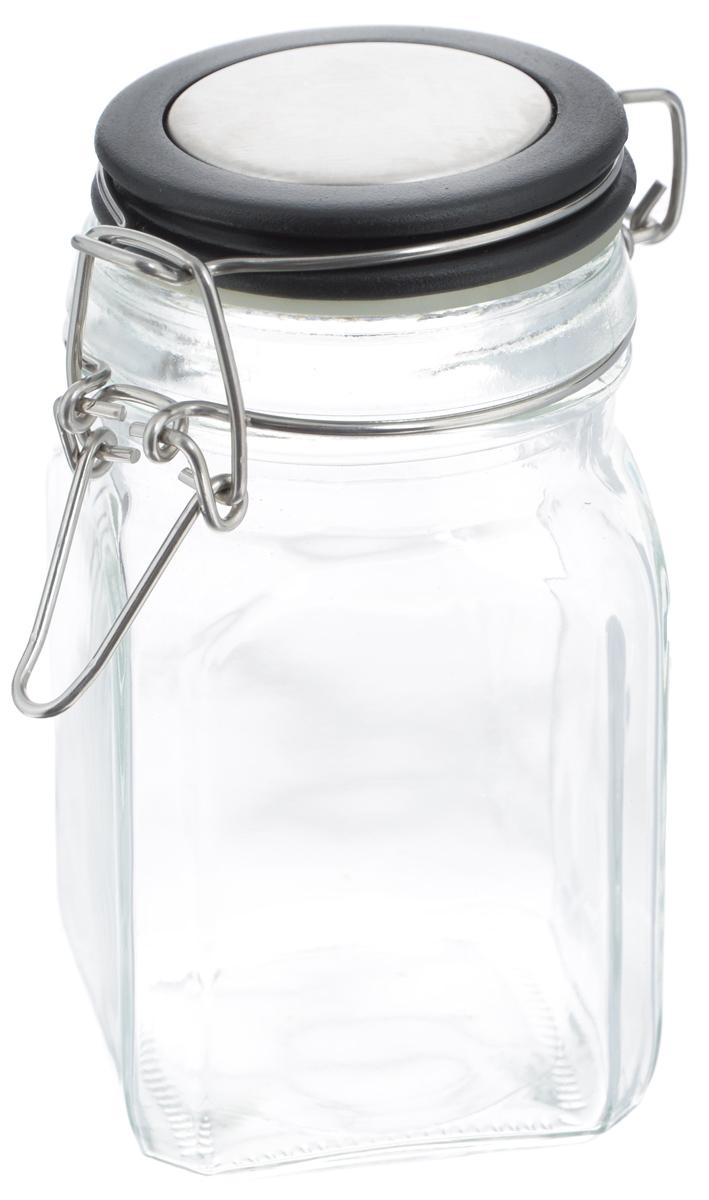 Банка для хранения Zeller, цвет: прозрачный, черный, 280 мл19955Банка Zeller выполнена из прозрачного стекла и оснащена пластиковой крышкой. Металлическая клипса герметично закрывает крышку, что позволяет продуктам дольше оставаться свежими и ароматными. Изделие прекрасно подходит для хранения разнообразных специй. Такая баночка станет достойным дополнением к вашему кухонному инвентарю. Диаметр по верхнему краю: 6 см. Высота банки (с учетом крышки): 12 см.