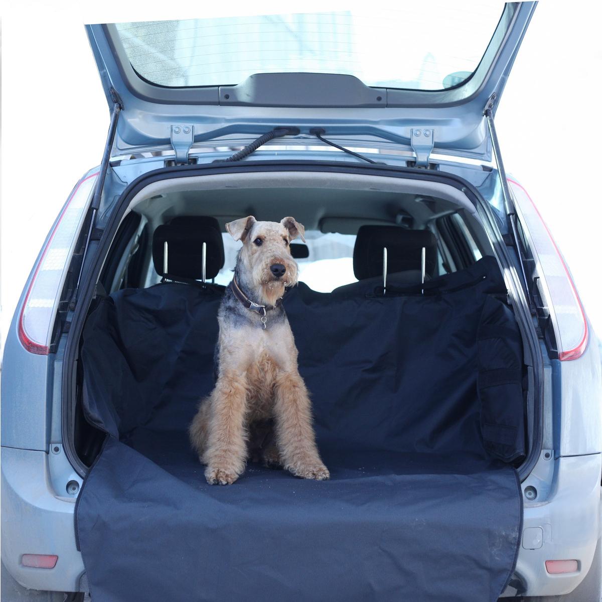 Автогамак для собак OSSO Fashion Car Premium, в багажник, 120 х 210 смГ-1007Автогамак OSSO Fashion Car Premium представляет собой функциональное приспособление для перевозки собак в салоне машины. Этот автогамак идеально подойдет для транспортировки питомца в багажнике, защитит задний бампер от царапин и багажное отделение от грязи. Незаменим при транспортировке животного после прогулок на природе, поездки в ветклинику, на выставку, охоту, рыбалку и дачу, не опасаясь испачкать или поцарапать сидения и обивку дверей. Изготовлен из прочной, дублированной, водостойкой и морозоустойчивой ткани на подкладке. Конструкция гамака предохраняет питомца от соскальзывания и передвижения по салону во время движения и резкого торможения. Чистка такого гамака не составляет никакого труда: просто стряхните засохшую грязь и песок щеткой, а затем протрите поверхность влажной губкой или тряпкой. Размеры автогамака: ширина дна - 120 см, общая длина - 210 см, высота бортов со стороны спинок сидений - 55 см, высота бортов со стороны двери багажника - 40 см.