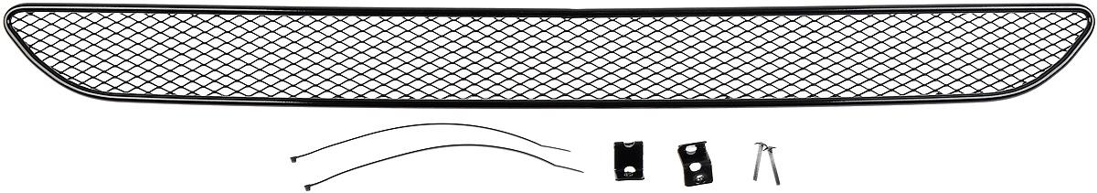 Сетка для защиты радиатора Novline-Autofamily, внешняя, для Ford Fiesta (2015-)2706 (ПО)Сетка для защиты радиатора Novline-Autofamily изготовлена из антикоррозионного материала, что гарантирует отсутствие ржавчины в процессе эксплуатации. Изделие устанавливается на штатную решетку переднего бампера автомобиля, защищая таким образом радиатор от попадания камней, крупных насекомых, мелких птиц. Простая установка делает это изделие необыкновенно удобным. В отличие от универсальных сеток, для установки которых требуется снятие бампера, то есть наличие специализированных навыков и дополнительного оборудования (подъемник и так далее), для установки этой сетки понадобится 20 минут времени и отвертка. Данный продукт разработан индивидуально под каждый бампер автомобиля. Внешняя защитная сетка радиатора полностью повторяет геометрию решетки бампера и гармонично вписывается в общий стиль автомобиля.