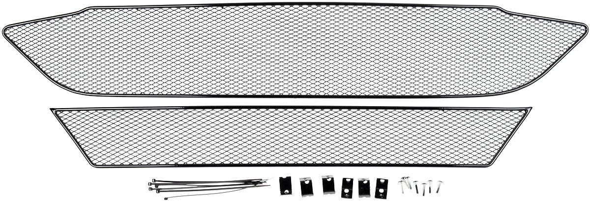 Сетка для защиты радиатора Novline-Autofamily, внешняя, для Ford Tourneo Custom (2014-) без переднего парктроника, 2 шт98298130Сетка для защиты радиатора Novline-Autofamily изготовлена из антикоррозионного материала, что гарантирует отсутствие ржавчины в процессе эксплуатации. Изделие устанавливается на штатную решетку переднего бампера автомобиля, защищая таким образом радиатор от попадания камней, крупных насекомых, мелких птиц. Простая установка делает это изделие необыкновенно удобным. В отличие от универсальных сеток, для установки которых требуется снятие бампера, то есть наличие специализированных навыков и дополнительного оборудования (подъемник и так далее), для установки этой сетки понадобится 20 минут времени и отвертка. Данный продукт разработан индивидуально под каждый бампер автомобиля. Внешняя защитная сетка радиатора полностью повторяет геометрию решетки бампера и гармонично вписывается в общий стиль автомобиля.
