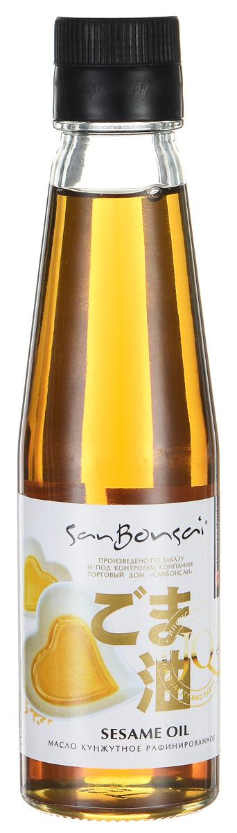 SanBonsai масло кунжутное, 150 мл0120710Рафинированное масло SanBonsai, произведенное из обжаренных кунжутных семян, имеет характерный темно-коричневый оттенок, обладает насыщенным сладковато-ореховым вкусом и сильным ароматом. Буквально одна капля кунжутного масла придаст любому блюду вкус Азии. Используется в качестве заправки для салатов в смешении с другими приправами (мирин, соевый соус, уксус) и добавляется при жарке.