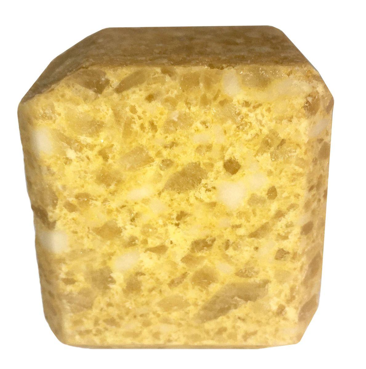 Соль для бани Proffi Sauna, с маслом лимонаPS0551Прессованный кубик из соли для сауны с ароматом лимона. Заходя в бане/ сауне в парилку, Вы ставите кубик из соли на камни и поливаете камень водой. В результате образуется облако соляного пара, а по всей парилке разносится приятный аромат. 1 кубик рассчитан на 1 применение. Состав: чистая природная структурированная соль, эфирное масло.