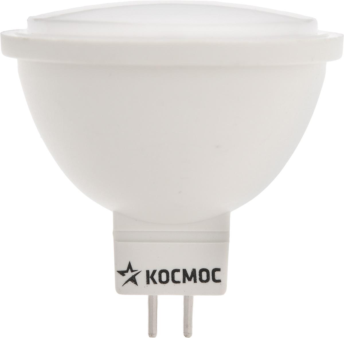 Светодиодная лампа Kosmos, теплый свет, цоколь GU5.3, 7W, 220VLksm_LED7wJCDRC30Декоративная лампа 7 Вт серии Космос LED является аналогом ламп накаливания 70 Вт. Использование архитектуры высокомощных LED-ламп в формфакторах малых моделей позволяет добиться лучших показателей светового потока (540 Лм) среди большинства рыночных аналогов. Декоративные лампы специально разработаны с учетом требований российских и европейских законов и подходят ко всем осветительным устройствам совместимым со стандартным цоколем GU5.3. Теплый белый оттенок света лампы отлично украсит вашу кухню или гостиную. В основе лампы используются светодиоды от мирового лидера Epistar. Срок службы светодиодной лампы до 30 000 часов. Гарантия 1 год. Номинальное напряжение: 220-240 В. Уважаемые клиенты! Обращаем ваше внимание на возможные изменения в дизайне упаковки. Качественные характеристики товара остаются неизменными. Поставка осуществляется в зависимости от наличия на складе.