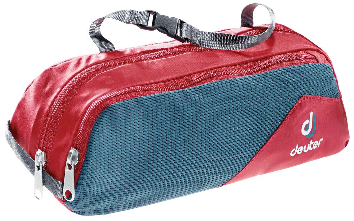 Косметичка Deuter Wash Bag Tour I, цвет: красный, темно-голубой, 20 х 4 х 10 смЛЦ0036Дорожная косметичка Deuter Wash Bag Tour l, выполненная из полиамида инейлона, незаменима в путешествиях и командировках. Косметичка содержит одно отделение, разделенное сетчатой перегородкой внутри. Спереди имеется карман на застежке-молнии с внешней сетчатой вставкой. Изделие снабжено текстильной петлей для подвешивания и ручкой с пластиковой защелкой для переноски. Стильная дорожная косметичка Deuter Wash Bag Tour l станет практичнымаксессуаром, который идеально дополнит ваш образ.