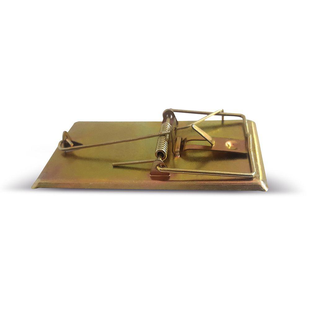 Мышеловка Mr.Mouse. СЗ.04001919201Mr.Mouse металлическая мышеловка 9.5х4.7см используется для отлова мелких грызунов в жилых и нежилых помещениях, на прилегающих к ним территориях, в подвалах и погребах. Мышеловка высокоэффективна, гигиенична, легко приводится в состояние готовности и может быть использована в любых местах. Мышеловка имеет цельнометаллическое основание, что гарантирует длительный срок ее эксплуатации, а также исключает сохранение запахов на его поверхности. Высокую эффективность работы мышеловки Mr.Mouse обеспечивает надежный механизм высокой чувствительности.Способы применения Положите в ловушки приманку и установите мышеловку на ровной поверхности приманкой к стене Павшего грызуна легко удалить из ловушки: не прикасаясь к грызуну, ослабьте двумя пальцами зажим. После удаления погибшего грызуна промойте ловушку под струей воды и просушите. Вложите в мышеловку свежую приманку, и ловушка вновь готова к применению.Рекомендуемые приманки: сыр, хлеб, шоколад, изюм. Меняйте расположение расставленных ловушек, так как грызуны запоминают место опасности.