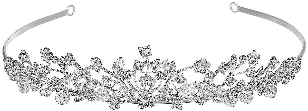 Диадема Selena Brilliance, цвет: серебряный. 7006037970060379Очаровательная диадема Selena Brilliance изготовлена из ювелирного сплава, инкрустирована стразами Swarovski и оформлена гранеными бусинами из ювелирного хрусталя. Королевское украшение блестяще подчеркнет красоту вашей прически.