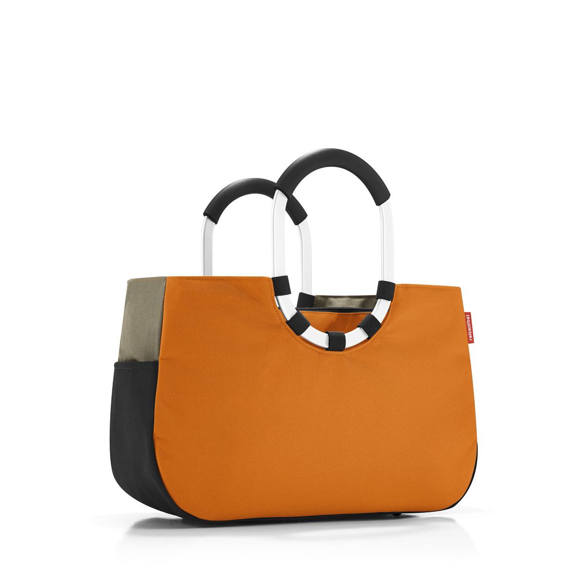 Сумка женская Reisenthel, цвет: оранжевый, черный, темно-бежевый. OS3045OS3045Практичная женская сумка Reisenthel изготовлена из текстиля. Сумка имеет одно отделение, внутри которого находится прорезной карман на застежке-молнии. Снаружи, по боковым сторонам сумки расположены накладные открытые карманы. Изделие оснащено съемным отделением на застежке-молнии, которое пристегивается к сумке с помощью хлястиков с кнопками. Съемное отделение снаружи дополнено прорезным карманом на застежке-молнии и накладным открытым кармашком. Сумка оснащена двумя алюминиевыми ручками с прорезиненными накладками, которые фиксируются с помощью липучек. Основание изделия защищено от повреждений пластиковыми ножками.