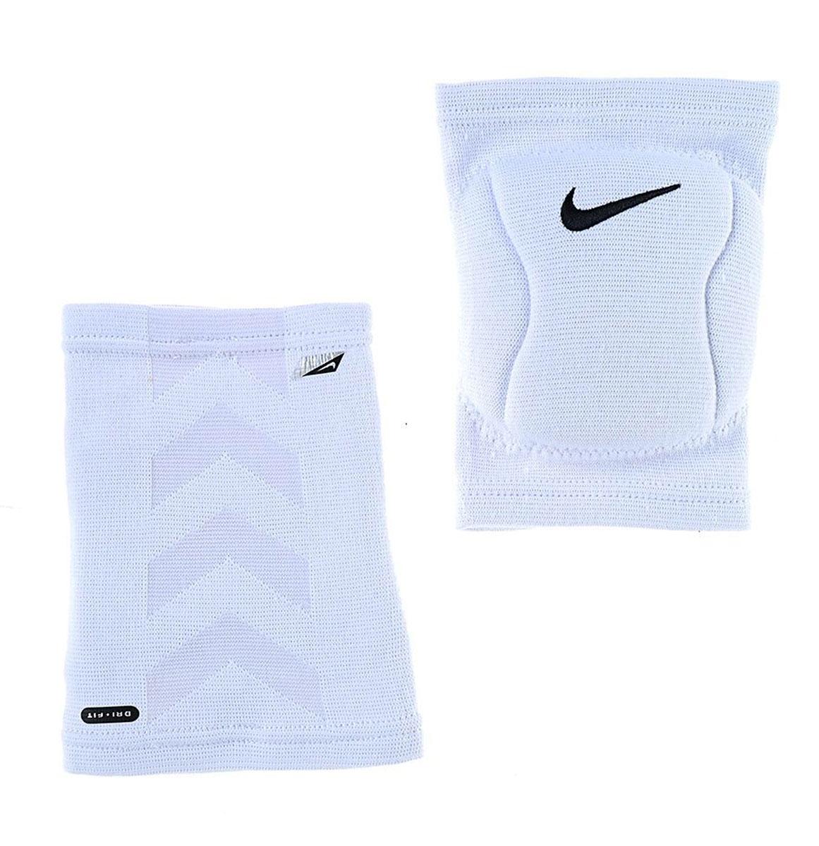 Наколенник Nike, цвет: белый. Размер L/XLAP02013Защитный наколенник для волейбола. В составе - вспененная резина, не натирают, комфортно сидят на ноге. С внутренней стороны - мягкая подкладка. Не стесняет движения. Очень легкие и плотно обтягивают ногу.