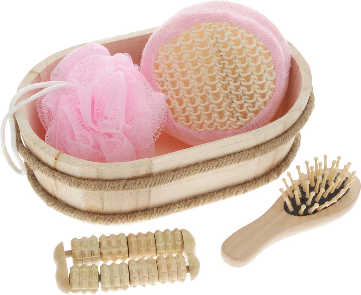 Набор для ванной и бани Феникс-Презент Чистое утро, 5 предметов40638В набор для ванной и бани Феникс-Презент Чистое утро входит: - лохань из древесины тополя, - массажная щетка для волос из древесины павловнии, - мочалка из полиэтилена, - массажная щетка для волос из древесины павловнии, - мочалка из сизаля, - массажный ролик из древесины павловнии. Такой мини-набор станет не заменимым и сделает банную процедуру еще более комфортной и расслабляющей. Размер мочалки из сизаля: 11 х 11 х 5 см. Диаметр мочалки из полиэтилена: 9,5 см. Размер щетки для волос: 12 х 4 х 3 см. Размер лохани: 20,5 х 13,5 х 6,5 см. Размер массажного ролика: 9,5 х 4,5 х 2 см.