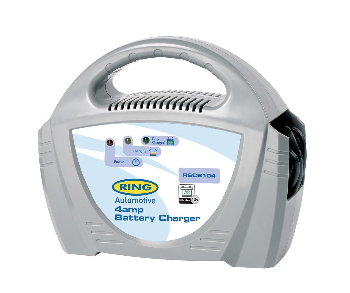 Зарядное устройство Ring Automotive. RECB104RECB104Зарядное устройство для свинцово-кислотных аккумуляторных батарей 12В. Ток зарядки 4А. Зажимы типа крокодил и кабель питания убираются внутрь прибора. Автоматическая работа. Светодиодные индикаторы зарядки и заряженной батареи. Рекомендуется для АКБ емкостью 20 - 50Ач. Удобная ручка для переноски. Предохранитель 5А.