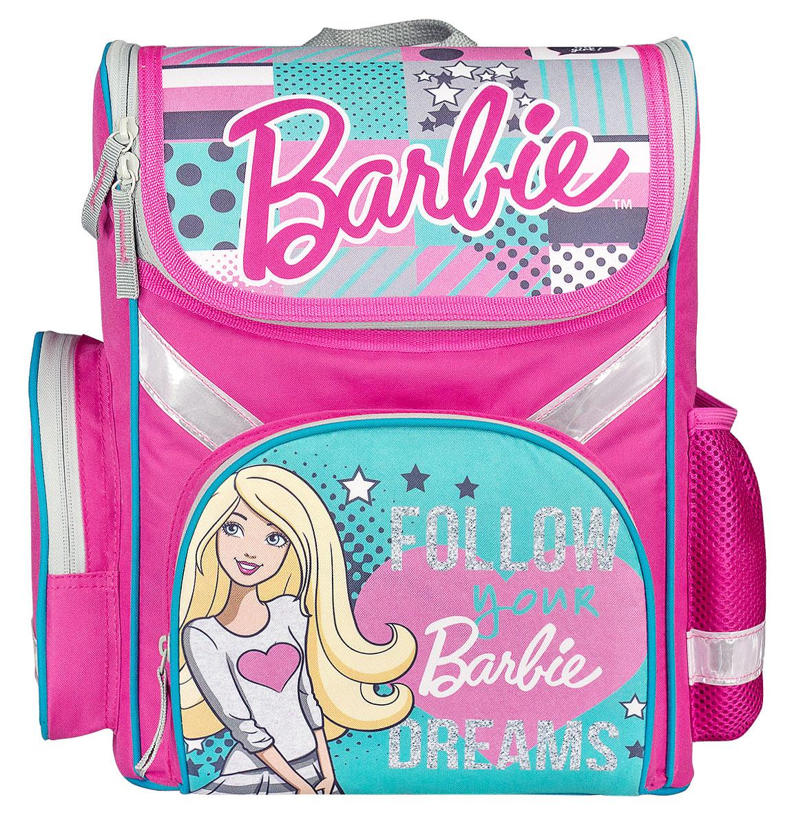 Barbie Ранец школьный Follow DreamsOM-667-9/1Школьный ранец Barbie выполнен из современного легкого и прочного полиэстера. Ранец дополнен ярким изображением куклы Барби.Изделие имеет одно основное отделение, закрывающееся клапаном на застежку-молнию с двумя бегунками. Внутри отделения расположены два мягких разделителя с утягивающей резинкой, предназначенные для тетрадей и учебников. На лицевой стороне ранца расположен накладной карман на молнии. По бокам ранца размещены два дополнительных накладных кармана, один на молнии, и один открытый.Анатомическая вентилируемая спинка ранца и широкие мягкие лямки, регулируемые по длине, равномерно распределяют нагрузку на плечевой пояс, способствуя формированию правильной осанки.Ранец оснащен текстильной ручкой для переноски.Многофункциональный школьный ранец станет незаменимым спутником вашего ребенка в походах за знаниями.Вес ранца без наполнения менее 1 кг.