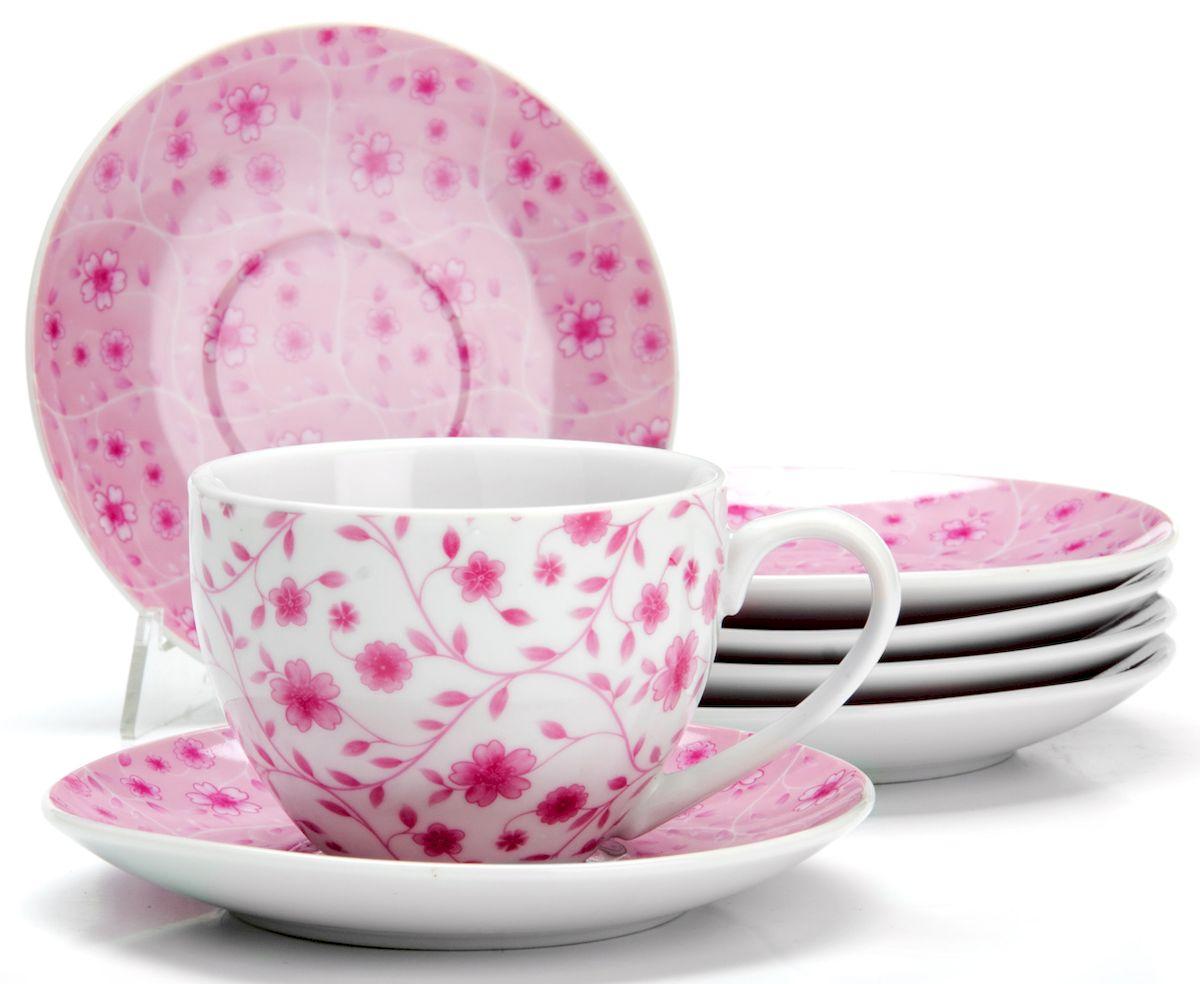 Чайный сервиз Loraine Цветы, 220 мл, 12 предметов. 25929115510Чайный сервиз на 6 персон изготовлен из качественного фарфора и оформлен красивым рисунком. Элегантный и удобный чайный сервиз не только украсит сервировку стола, но и поднимет настроение и превратит процесс чаепития в одно удовольствие.Сервиз состоит из 12 предметов: шести чашек и шести блюдец, упакованных в подарочную коробку. Чашки имеют удобную, изящную ручку.Изделия легко и просто мыть.Диаметр чашки: 9 см.Высота чашки: 7 см.Объем чашки: 220 мл.Диаметр блюдца: 14 см.