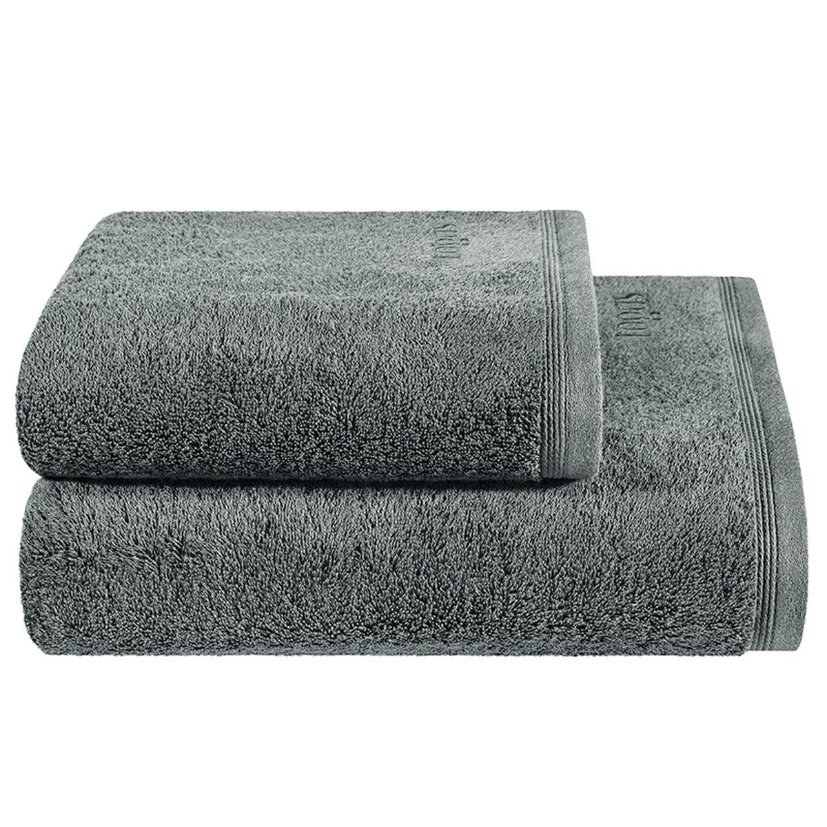 Полотенце Togas Пуатье, цвет: темно-серый, 70 х 140 см10.00.01.1016Полотенце Togas Пуатье невероятно гармонично сочетает в себе лучшие качества современного махрового текстиля. Безупречные по качеству, экологичное полотенце из 70% хлопка и 30% модала идеально заботится о вашей коже, особенно после душа, когда вы расслаблены и особо уязвимы. Деликатный дизайн полотенца Togas «Пуатье» - воплощение изысканной простоты, где на первый план выходит качество материала. Невероятно мягкое волокно модал, превосходящее по своим свойствам даже хлопок, позволяет улучшить впитывающие качества полотенца и делает его удивительно мягким. Модал - это 100% натуральное, экологически чистое целлюлозное волокно. Оно производится без применения каких-либо химических примесей, поэтому абсолютно гипоаллергенно. Полотенце Togas Пуатье, обладающее идеальными качествами, будет поднимать вам настроение.