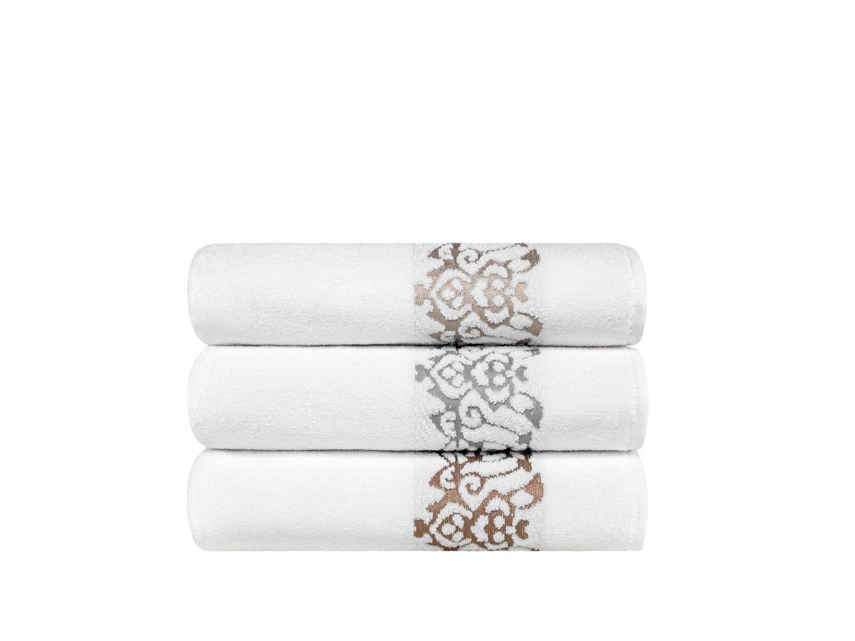 Полотенце Togas Олимпия, цвет: белый, бежевый, 70 х 140 см10.00.01.1032Состав:100% хлопок, плотность ткани: 550 гр/м2 Цвет: белый/бежевый Комплектация: 1 полотенце. Полотенце Олимпия невероятно гармонично сочетает в себе лучшие качества современного махрового текстиля, и хрупко-нежную эстетику прошлого, воплощенную в изумительной по красоте вышивке. Безупречные по качеству, экологичные полотенца из натурального хлопка идеально заботятся о вашей коже, особенно после душа, когда вы расслаблены и особо уязвимы. Хлопок долговечен, не вызывает раздражения, имеет быструю впитывающую способность. Ежедневное соприкосновение с комфортно-нежными, мягким полотенцем Олимпия, обладающими идеальными качествами будет поднимать вам настроение, а созерцание невероятно элегантной вышивки на кайме наполнит вашу жизнь сияющим оптимизмом.