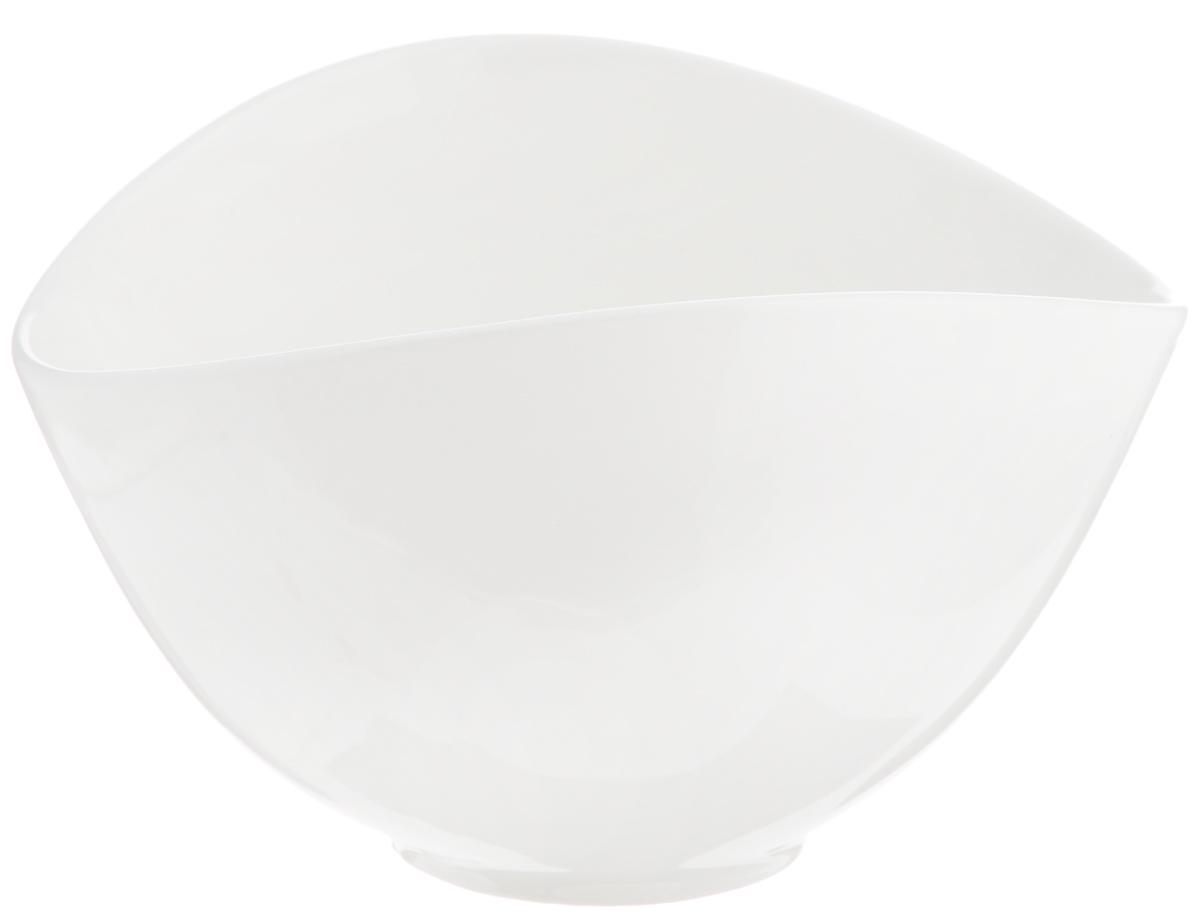 Салатник Deagourmet, 250 мл115510Оригинальный салатник Deagourmet, изготовленный из высококачественного фарфора,сочетает в себе изысканный дизайн с максимальной функциональностью.Он идеально подходит для сервировки стола и подачи закусок, солений и других блюд. Такой салатник прекрасно впишется в интерьер вашей кухни и станет достойным подарком клюбому празднику.