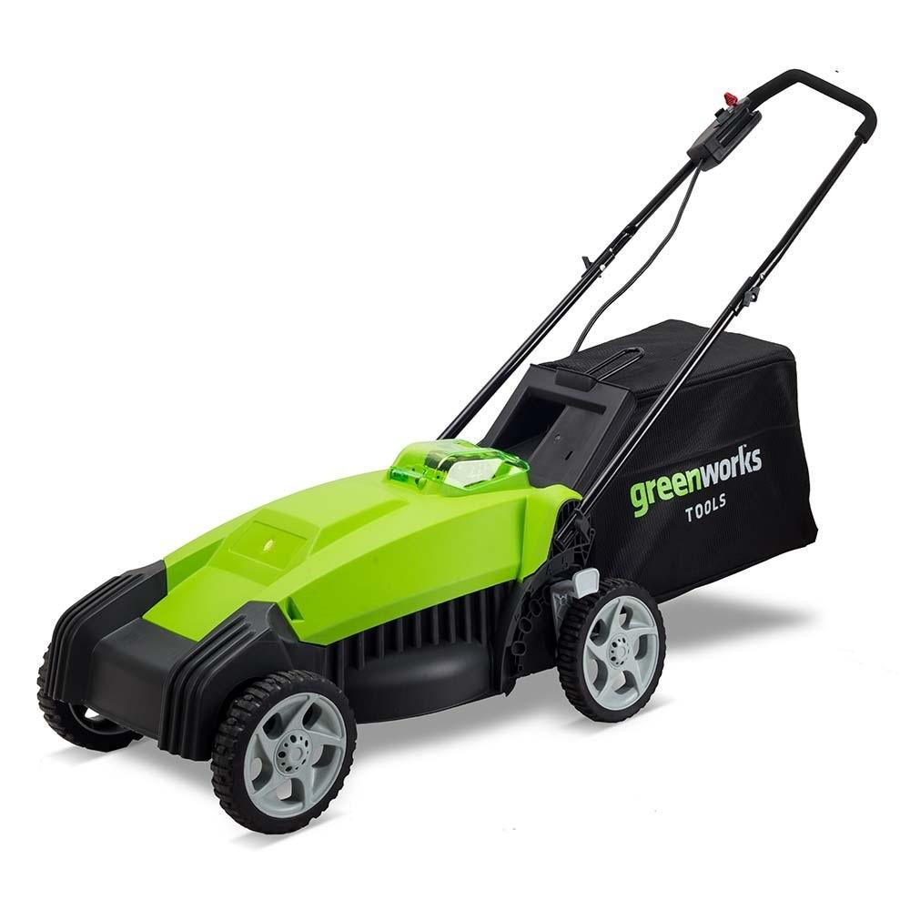 Газонокосилка GreenWorks 40В 35см (без аккумуляторной батареи и зарядного устройства)2500067Сверхмощная аккумуляторная система 40В G-MAX40 Ширина скашивания: 35 см Функция мульчирования 5 уровней установки высоты скашивания от 20 мм до 80 мм Травосборник 40 л Работает с аккумуляторами Greenworks G-MAX40 (арт. 29717, 29727) и зарядным устройством G40C (арт. 29417). Гарантия 2 года