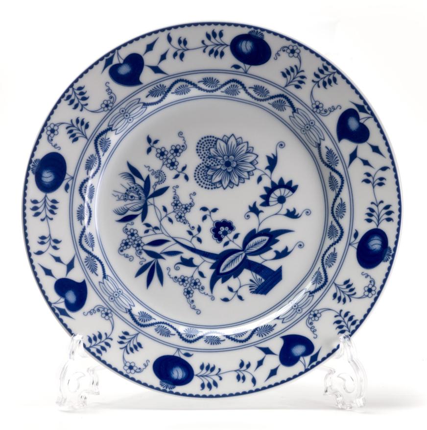 Тарелка десертная La Rose des Sables Ognion Bleu, диаметр 22 см115510Тарелка La Rose des Sables Ognion Bleu, изготовленная из высококачественного фарфора, имеет классическую круглую форму. Она прекрасно впишется в интерьер вашей кухни и станет достойным дополнением к кухонному инвентарю. Тарелка La Rose des Sables Ognion Bleu подчеркнет прекрасный вкус хозяйки и станет отличным подарком.Диаметр тарелки (по верхнему краю): 22 см.
