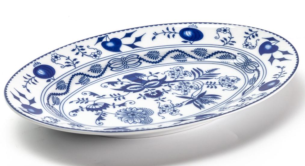 Блюдо La Rose Des Sables Ognion Bleu, 23 см611823 1313Фарфор производится в Тунисе из знаменитой своим качеством и белизной глины, добываемой во французской провинции Лимож. Преимущества этого фарфора заключаются в устойчивости к сколам и трещинам, что возможно благодаря двойному термическому обжигу. Лиможский фарфор не содержит включений тяжелых металлов, что соответствует мировым и российским санитарным требованиям. Данную серию можно использовать в СВЧ и посудомоечной машине. Приобретая лиможский фарфор, вы становитесь обладателем древних традиций и искусства фарфора.