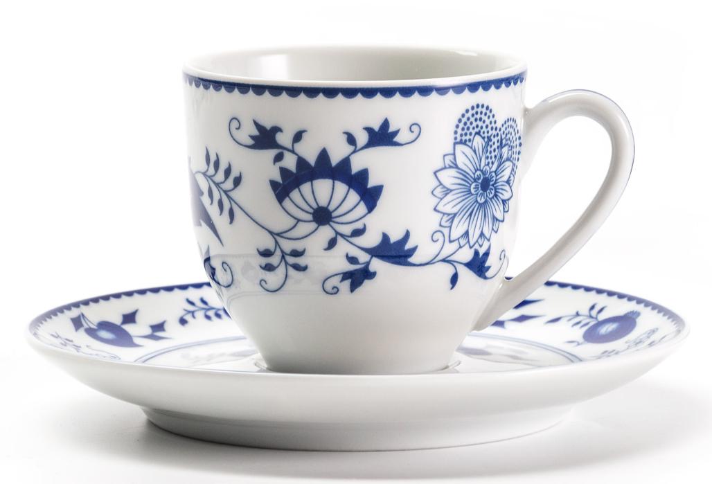 Кофейная пара La Rose Des Sables Ognion Bleu, 100 мл613510 1313Фарфор производится в Тунисе из знаменитой своим качеством и белизной глины, добываемой во французской провинции Лимож. Преимущества этого фарфора заключаются в устойчивости к сколам и трещинам, что возможно благодаря двойному термическому обжигу. Лиможский фарфор не содержит включений тяжелых металлов, что соответствует мировым и российским санитарным требованиям. Данную серию можно использовать в СВЧ и посудомоечной машине. Приобретая лиможский фарфор, вы становитесь обладателем древних традиций и искусства фарфора.