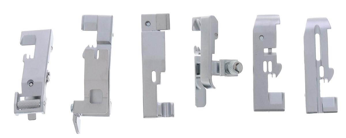 Merrylock комплект лапок для 4-ниточного оверлокаSM 10-09Набор из 6-ти лапок Merrylock для 4-ниточного оверлока. Комплект включает в себя:Лапка для пришивания эластичной ленты, которая применяется для пришивания резиновой ленты. При этом можно регулировать степень стягивания ленты.Лапка для потайной строчки. Она применяется для пошива поясов трикотажных изделий и выполнения невидимых строчек на изделиях.Лапка для сборки. Она применяется для пошива ступенчатых юбок, оборок, корсажей и т. д. Лапка применяется также для сшивания двух слоев ткани в складку в одну операцию.Лапка для пришивания бисера. Эта лапка используется для вшивания бисерных нитей.Лапка для прокладывания шнура и канта. Применяется для прокладывания шнура и канта между двумя кусками материала.Лапка для вшивания вкладной нити. С помощью этой лапки можно вшивать шнуры и другие нити