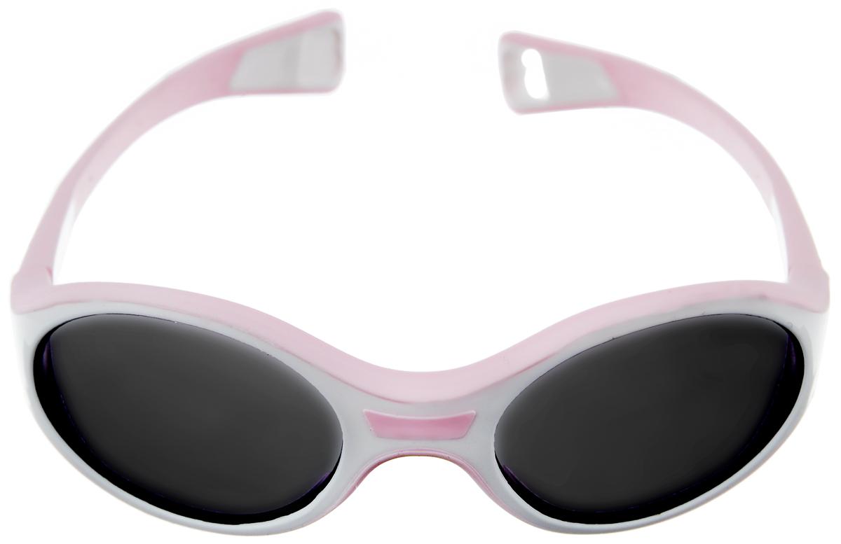 Beaba Солнцезащитные очки детские Sunglasses Kids 360 M категория 3 цвет белый розовыйT-8V-KMДетские очки Beaba Sunglasses Kids - идеальная защита от агрессивных УФ лучей. Качество и безопасность с оптимальной защитой от ультрафиолетовых лучей (UVA, UVB) - 3 категория. Эргономичная оправа 360°. Специально разработанная из двух дополняющих друг друга материалов гибкая оправа повторяет морфологию головы малыша, не давит за ушами. Благодаря более нежному внутреннему слою, очки не давят на нос. Благодаря загнутым дужкам очки не слетают при движении малыша. Офтальмологи со всего мира все чаще говорят о необходимости защиты детских глаз от агрессивного солнца. Данная тенденция ничуть не является данью моде, а становится острой необходимостью, которую врачи осознали благодаря современным исследованиям. Особенности:Основа - полипропилен.Небьющиеся стекла.Подходит для детей от года, когда малыш уже учится ходить.