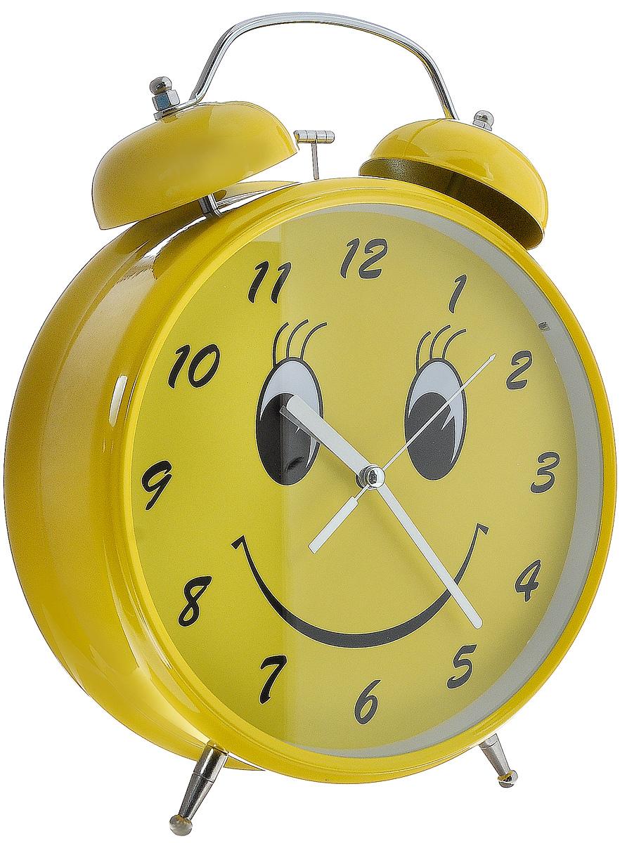 Часы-будильник Эврика Гигант. Смайл, цвет: желтый, стальной, белый97121Оригинальные часы-будильник Эврика Гигант. Смайл органично впишутся в интерьер комнаты. Корпус часов выполнен из окрашенного металла, циферблат защищен стеклом. Задняя панель закрыта пластиком. Часы-будильник на двух устойчивых ножках, на задней панели имеется поворотный рычажок для выставления времени и поворотный рычажок для того, чтобы завести будильник на нужное время. Также на задней стороне будильника имеется специальное отверстие для подвешивания его на стене. Часы-будильник оснащены 4 стрелками: часовой, минутной, секундной и стрелкой будильника. Будьте абсолютно уверены в том, что с таким будильником вам точно не удастся снова уснуть! Теперь вы сможете просыпаться утром под звуки стильного классического будильника Эврика Гигант. Смайл. Будильник работает от трех пальчиковых батареек типа АА (не входят в комплект). Диаметр циферблата 19,5 см.