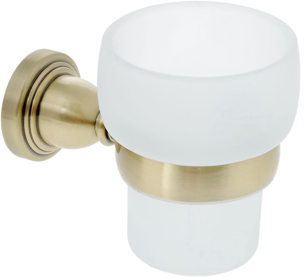 Стакан подвесной Gro Welle MuskatMSK551Стакан для ванной комнаты Gro Welle Muskat изготовлен из высококачественного матового стекла. Для стакана предусмотрен специальный держатель, выполненный из латуни с хромированным покрытием. Хромоникелевое покрытие Crystallight придает изделию яркий металлический блеск и эстетичный внешний вид. Имеет водоотталкивающие свойства, благодаря которым защищает изделие. Устойчив к кислотным и щелочным чистящим средствам. Изделие быстро и просто крепится к стене, крепежные материалы входят в комплект. В стакане удобно хранить зубные щетки, пасту и другие принадлежности. Диаметр стакана по верхнему краю: 8 см. Высота стакана: 10 см. Отступ стакана от стены: 12,8 см.