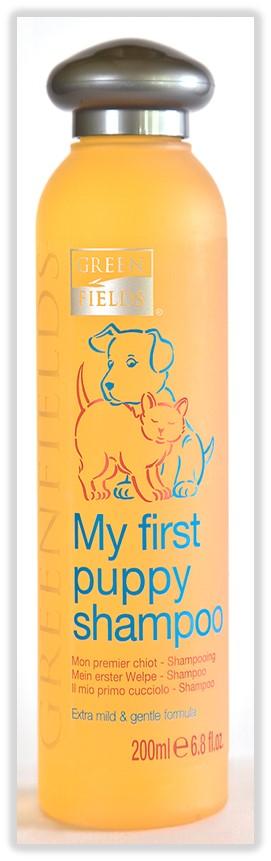 Шампунь гипоаллергенный Greenfields Мой первый шампунь, для кошек и собак, 200 мл8718836720017Шампунь - концентрат. Расход шампуня в 10 раз меньше обычных шампуней! Экстрамягкий гипоаллергенный шампунь подходит для всех видов шерсти, а благодаря отсутствию сульфатов легко и быстро смывается. Сбалансированный рН не допускает пересушивания кожи и волос. Шампунь обладает антибактериальным и регенерирующим эффектами. Подходит как для маленьких, так и для взрослых кошек и собак с чувствительной кожей. Придает шерсти вашего питомца здоровый вид и блеск. Гидролизированный протеин шелка увлажняет и питает волос, препятствует дальнейшей потере влаги, образуя защитную пленку, как при использовании бальзама-кондиционера. Основной эффект достигается благодаря секрету копчиковой железы лебедя ? уникальному компоненту, обеспечивающему мягкое расчесывание, отсутствие колтунов, эластичность и дополнительную защиту от негативного воздействия окружающей среды. Компоненты раковины моллюсков насыщают важнейшими микроэлементами: железом, кальцием, фосфором,...