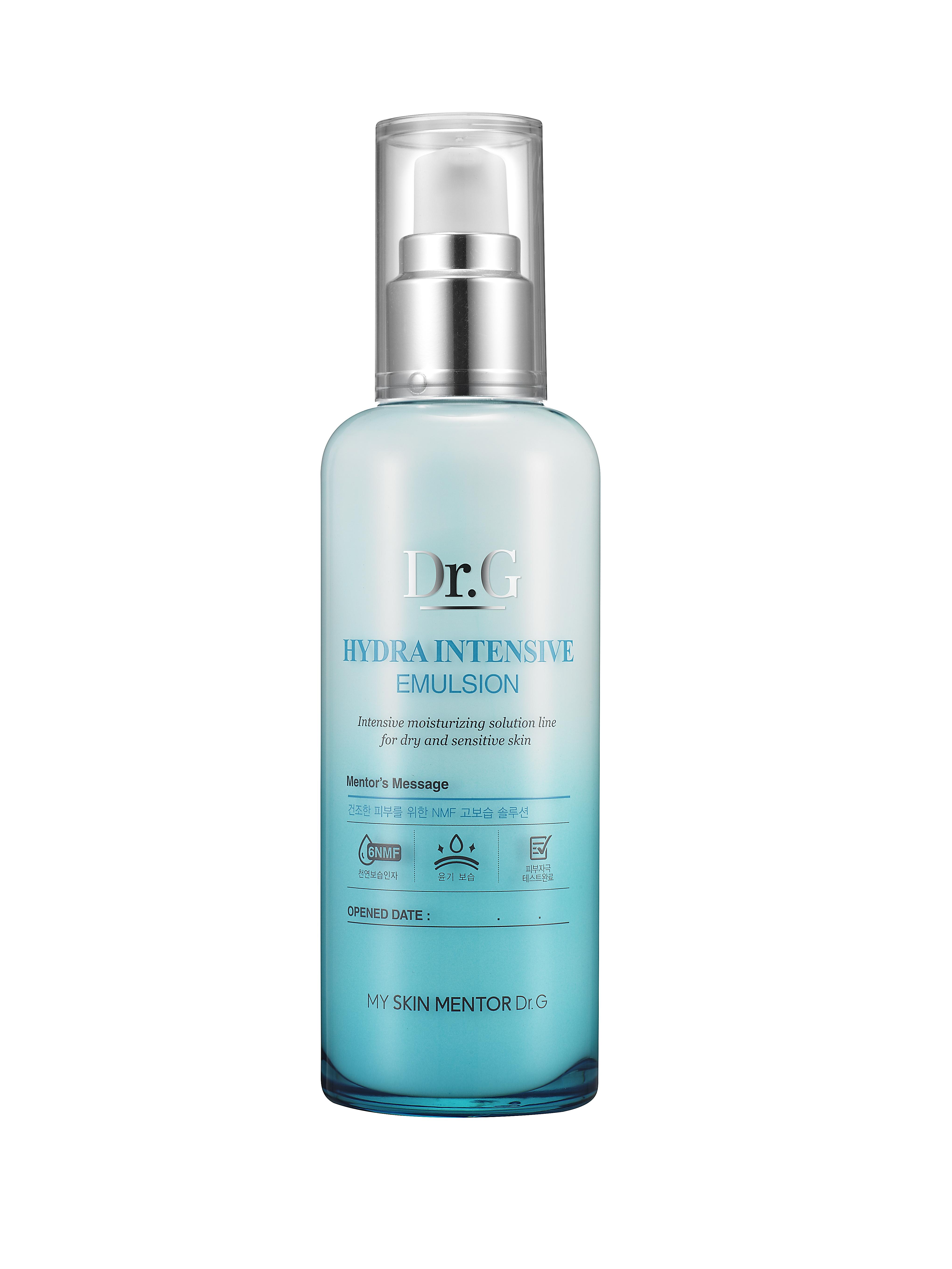 Dr. G Пенка для умывания очищающий увлажняющий Hydra, 120 млБ63003 мятаПенка для интенсивного увлажнения и очищения кожи лица с усиленным NMF (натуральным увлажняющим фактором). Создает богатую густую пену. Оптимизирует влагообмен. Нейтрализует раздражение при чувствительной коже. NMF улучшает роговой слой и внешний вид кожи. Борется с воспалением и краснотой. Придает коже бархатистость и гладкость. Пенка насыщена экстрактами сосны и юкки, а также маслом виноградных косточек. Экстракт сосны является сильным антиоксидантом, улучшает состояние сосудов и предотвращает разрушение коллагена и эластина. Экстракт юкки содержит стероидные сапонины, полифенолы флавоноидной структуры. Обладает противовоспалительным эффектом, «ловит» свободные радикалы. Масло виноградных косточек регулирует саловыделение, сужает поры, при этом выравнивая тон и улучшает кожный покров.Не содержит содиум лаурил сульфата (SLS).
