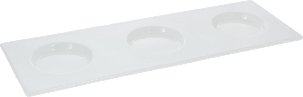 Поднос Wilmax, 35 х 12 смWL-992489 / AПоднос Wilmax, изготовленный из высококачественного фарфора, станет незаменимым предметом для сервировки стола. Он не только дополнит интерьер вашей кухни, но и предохранит поверхность стола от грязи и перегрева. Для предотвращения разбрызгивания чая, кофе, соусов, изделие оснащено 3 углублениями. Оригинальный и стильный поднос Wilmax придется по вкусу и ценителям классики, и тем, кто предпочитает современный стиль.