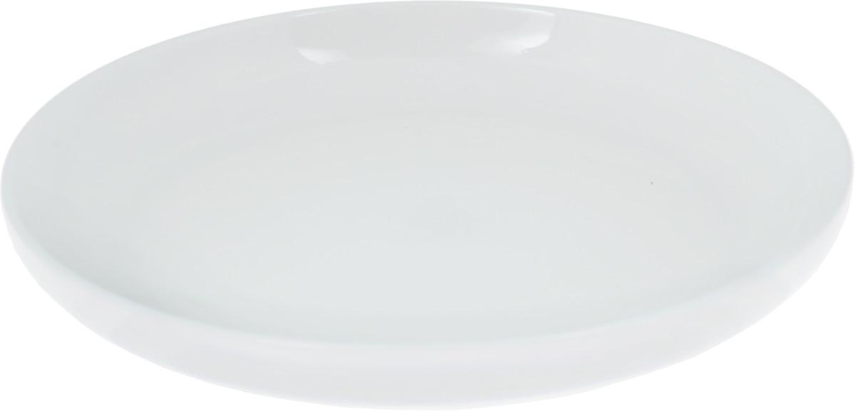 Тарелка Wilmax, диаметр 19 смVT-1520(SR)Тарелка Wilmax, изготовленная из высококачественного фарфора, имеет классическую круглую форму. Оригинальный дизайн придется по вкусу и ценителям классики, и тем, кто предпочитает утонченность и изысканность. Тарелка Wilmax идеально подойдет для сервировки стола и станет отличным подарком к любому празднику.