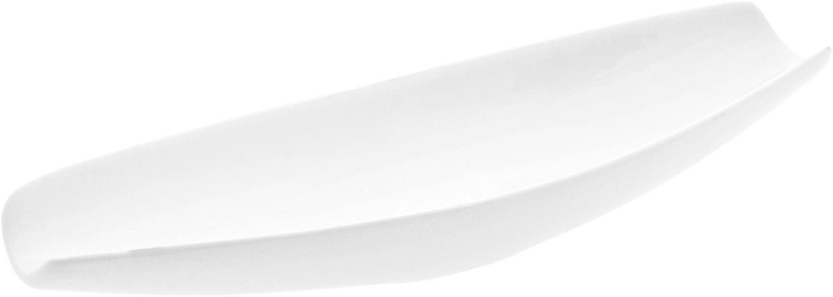 Блюдо Wilmax, 26 х 7,5 смCM000001328Оригинальное блюдо Wilmax, изготовленное из фарфора с глазурованным покрытием, прекрасно подойдет для подачи нарезок, закусок и других блюд. Оно украсит ваш кухонный стол, а также станет замечательным подарком к любому празднику.Размер блюда: 26 х 7,5 см.