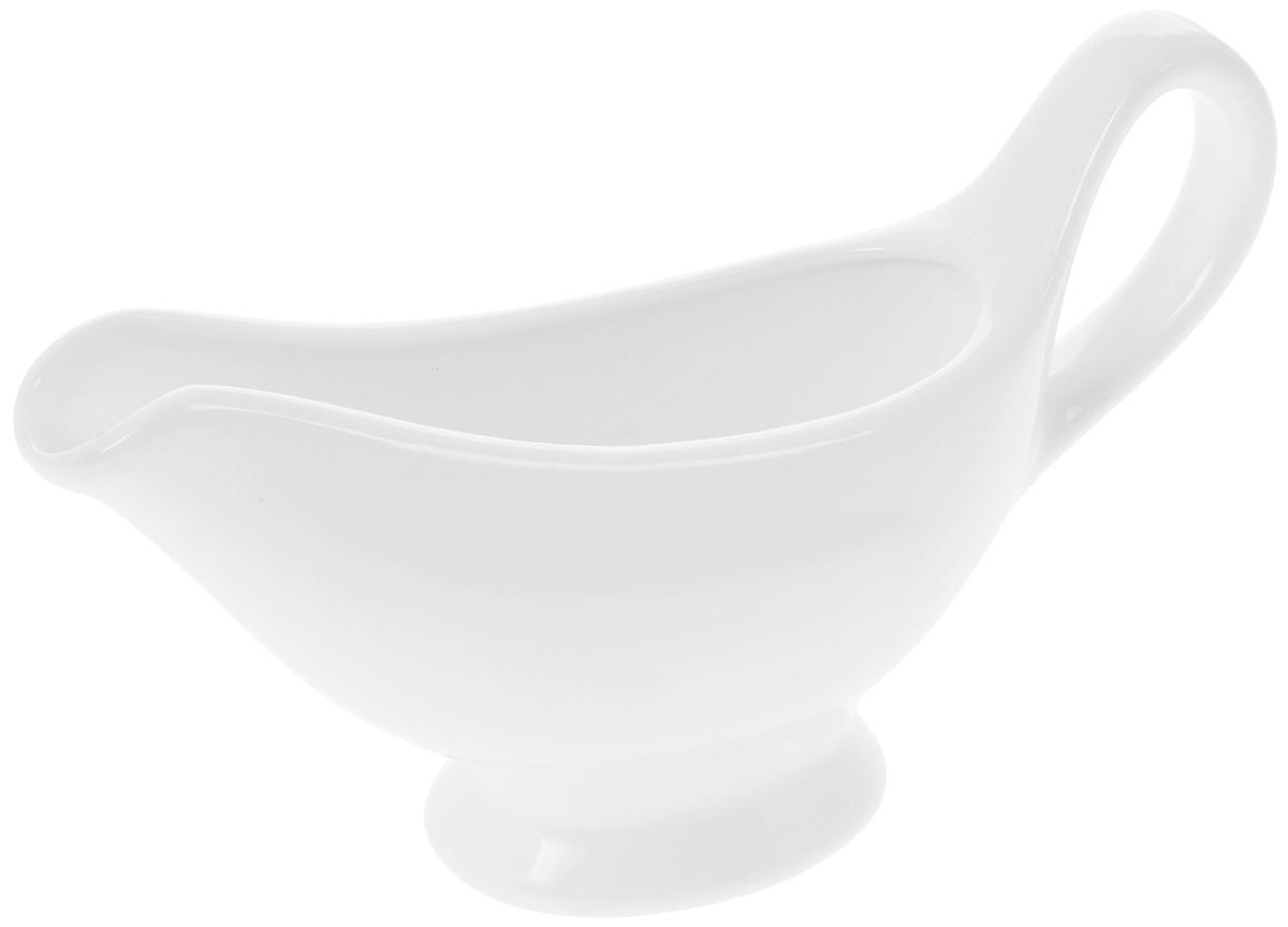 Соусник Wilmax, 170 млVT-1520(SR)Элегантный соусник Wilmax, изготовленный из высококачественного фарфора, снабжен удобным носиком и ручкой. Изделие предназначено для сервировки соусов.Приятный глазу дизайн и отменное качество соусника будут долго радовать вас.Соусник Wilmax украсит сервировку вашего стола и подчеркнет прекрасный вкус хозяина.Размер соусника: 17 х 8,5 х 5 см.