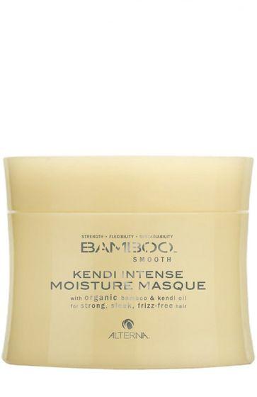 Alterna Полирующая маска для интенсивного увлажнения волос Bamboo Smooth Kendi Intense Conditioning Masque - 150 млFS-00103Насыщенная маска Alterna Bamboo Smooth Kendi Intense Moisture Masque глубоко насыщает волосы необходимыми жизненно важными питательными элементами, интенсивно увлажняет волосы, придавая им здоровый вид и блеск. Укрепляет волосы, а благодаря органическому маслу Кенди, волосы приобретают гладкость, завитки вьющихся волос выравниваются и волосы становятся послушными как никогда ранее. Маска преобразует жесткие и непокорные волосы в ровные, гладкие и ухоженные волосы. Она укрепляет фолликулы волос, разглаживает секущиеся кончики и убирает пушистость, благодаря чему волосы приобретают жизненную силу, ухоженный и здоровый вид. Результат: После применения маски, волосы легко поддаются укладке, становятся послушными и легко управляемыми. В состав маски с экстрактом бамбука входит технология Color Hold, которая позволяет продлить стойкость цвета, усиливает его насыщенность и яркость, а волосам придает сияющий блеск.