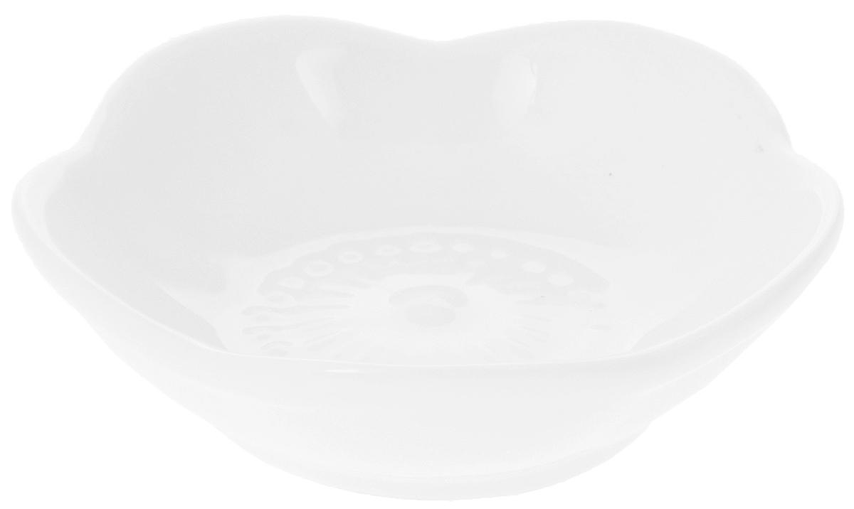 Розетка для варенья Wilmax, 45 млWL-992606 / AРозетка для варенья Wilmax изготовлена из высококачественного фарфора. Изделие отлично подойдет для подачи на стол соусов, меда или варенья. Такой набор украсит ваш праздничный или обеденный стол, а оригинальное оформление понравится любой хозяйке. Диаметр розетки (по верхнему краю): 7,5 см. Высота розетки: 2 см.