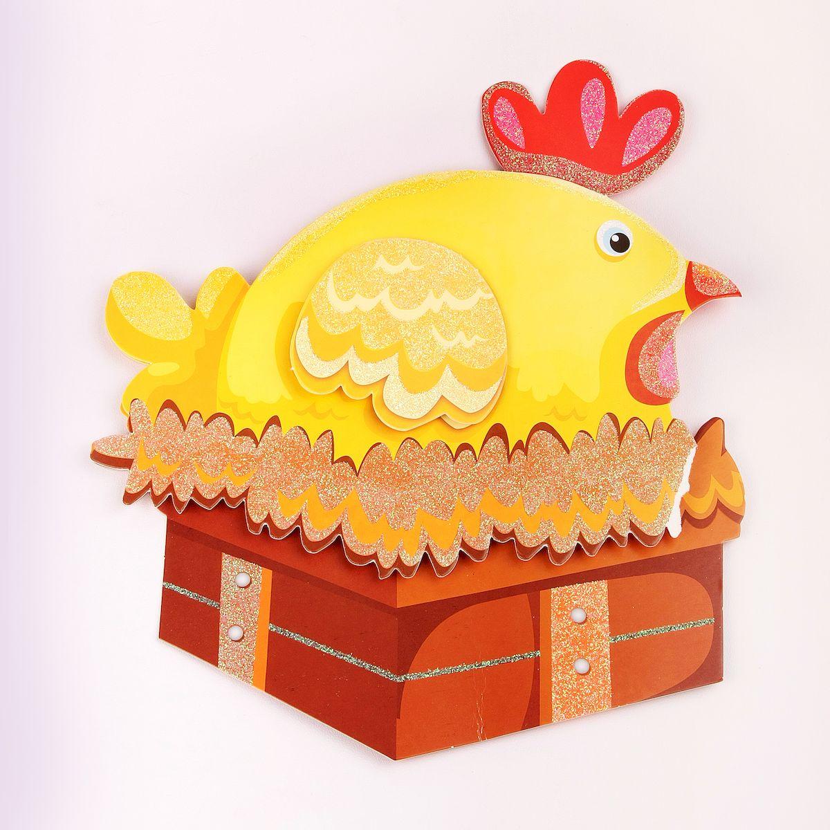 Наклейка декоративная Magic Home Курочка, 35,5 х 25 смTEMP-04Яркая, забавная наклейка украсит не только детскую комнату, но и станет отличным дополнением к любому подарку. Наклейку можно использовать как украшение стен и, например, фасадов шкафов и различных ящиков.