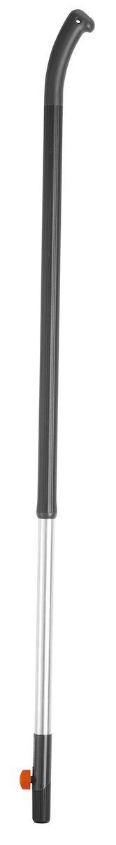 Gardena Ручка алюминиевая эргономичная 130 03734-20.000.0003734-20.000.00Для всех инструментов комбосистемы, высококачественный алюминий, длина 130см. Нетеряющийся установочный винт. Крючковый захват на конце ручки защищает руки от скольжения и оптимизирует их положение при движении на конце ручки. Бороздки пластикового покрытия для удобства работы без скольжения рук.